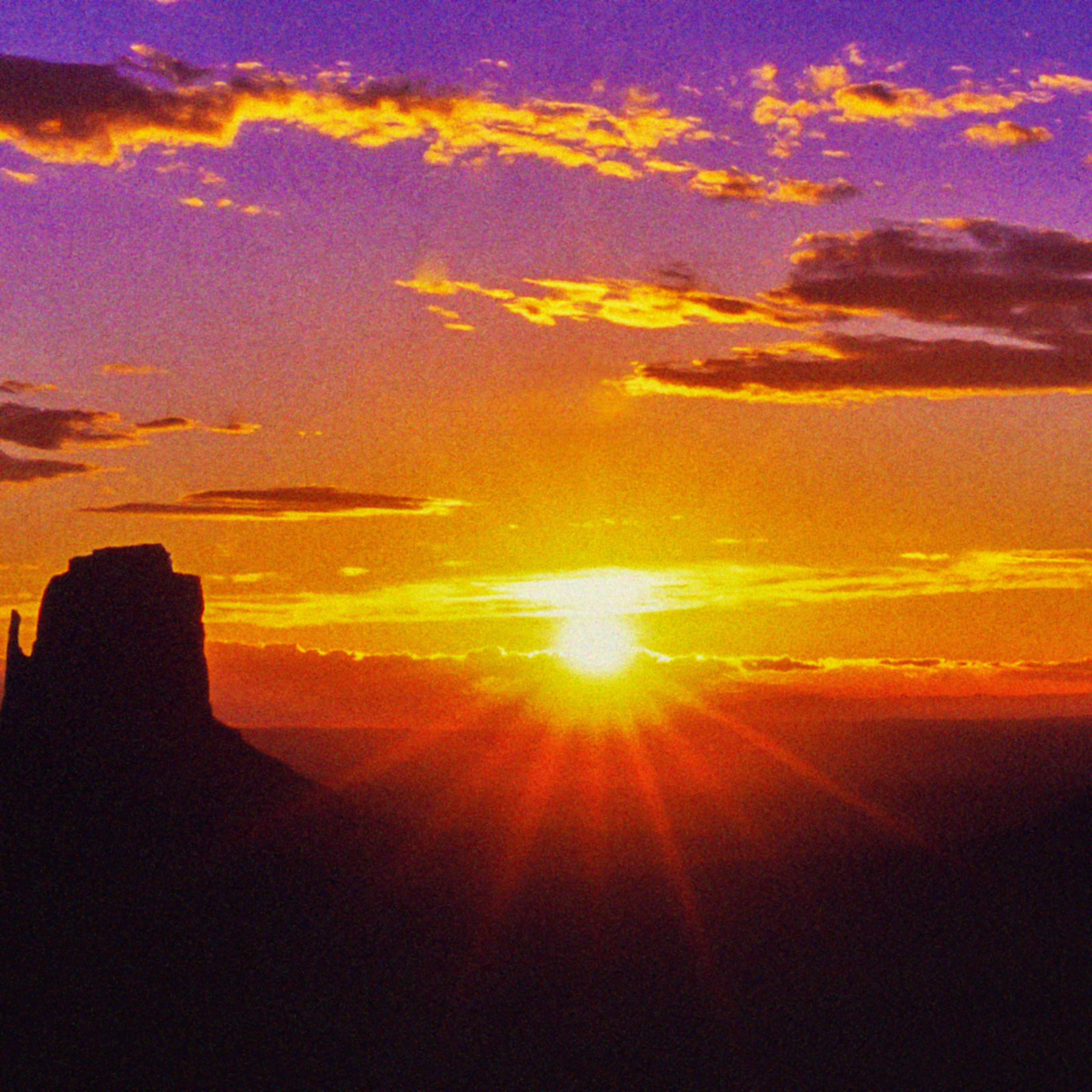 Monument valley sunrise az xnpv0m