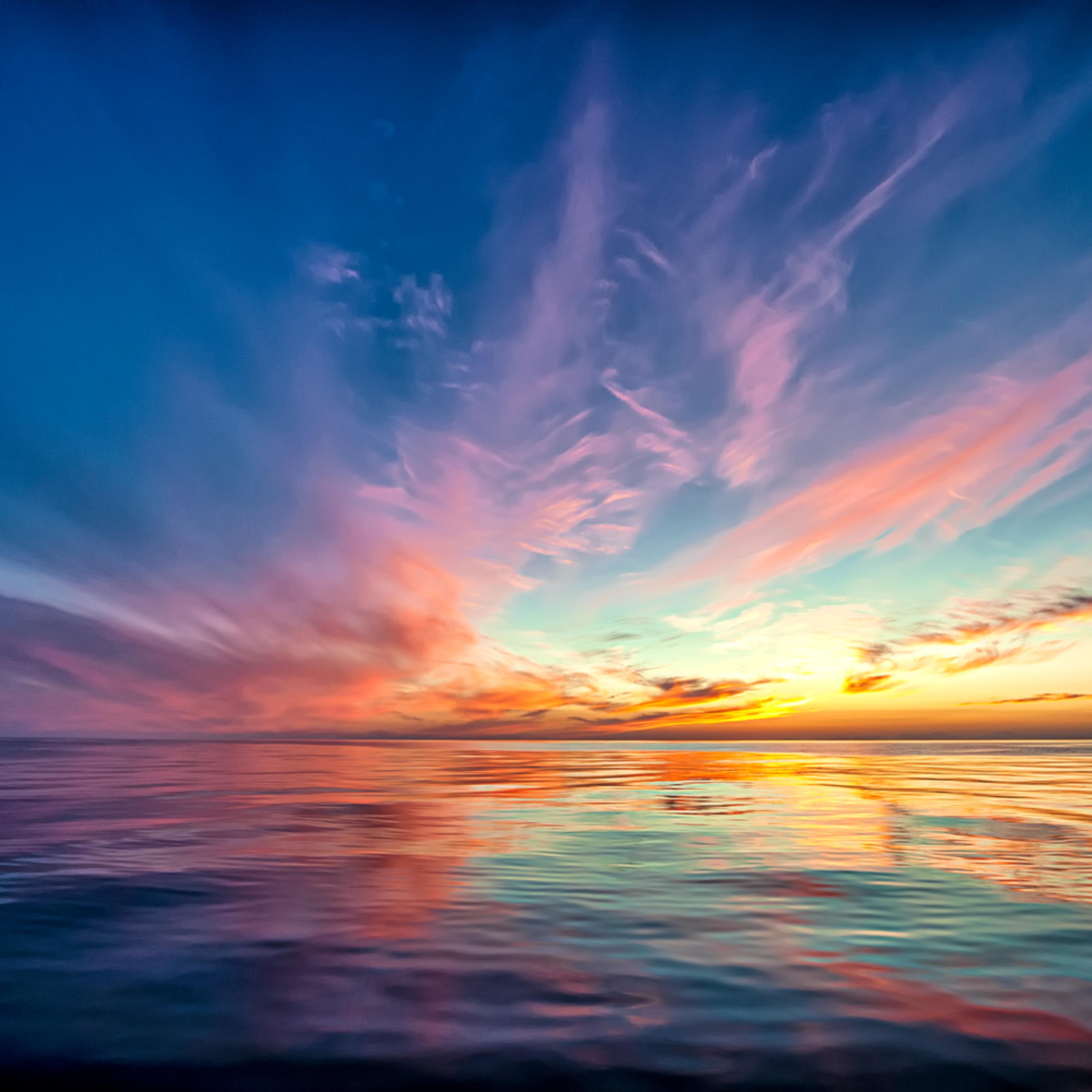 Sunset at sea uincum