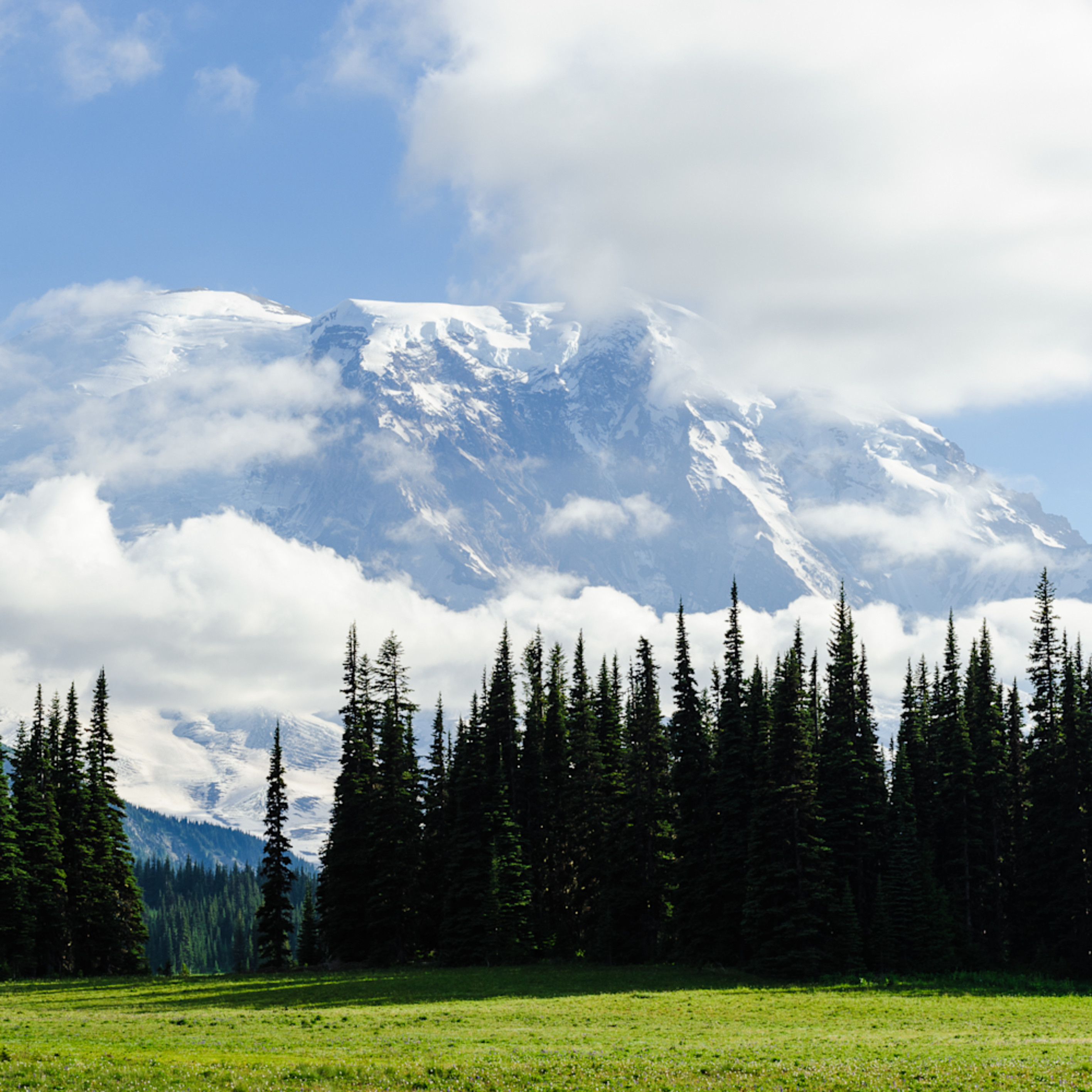 Mount rainier shrouded by clouds grand park washington 2016 hlfspe