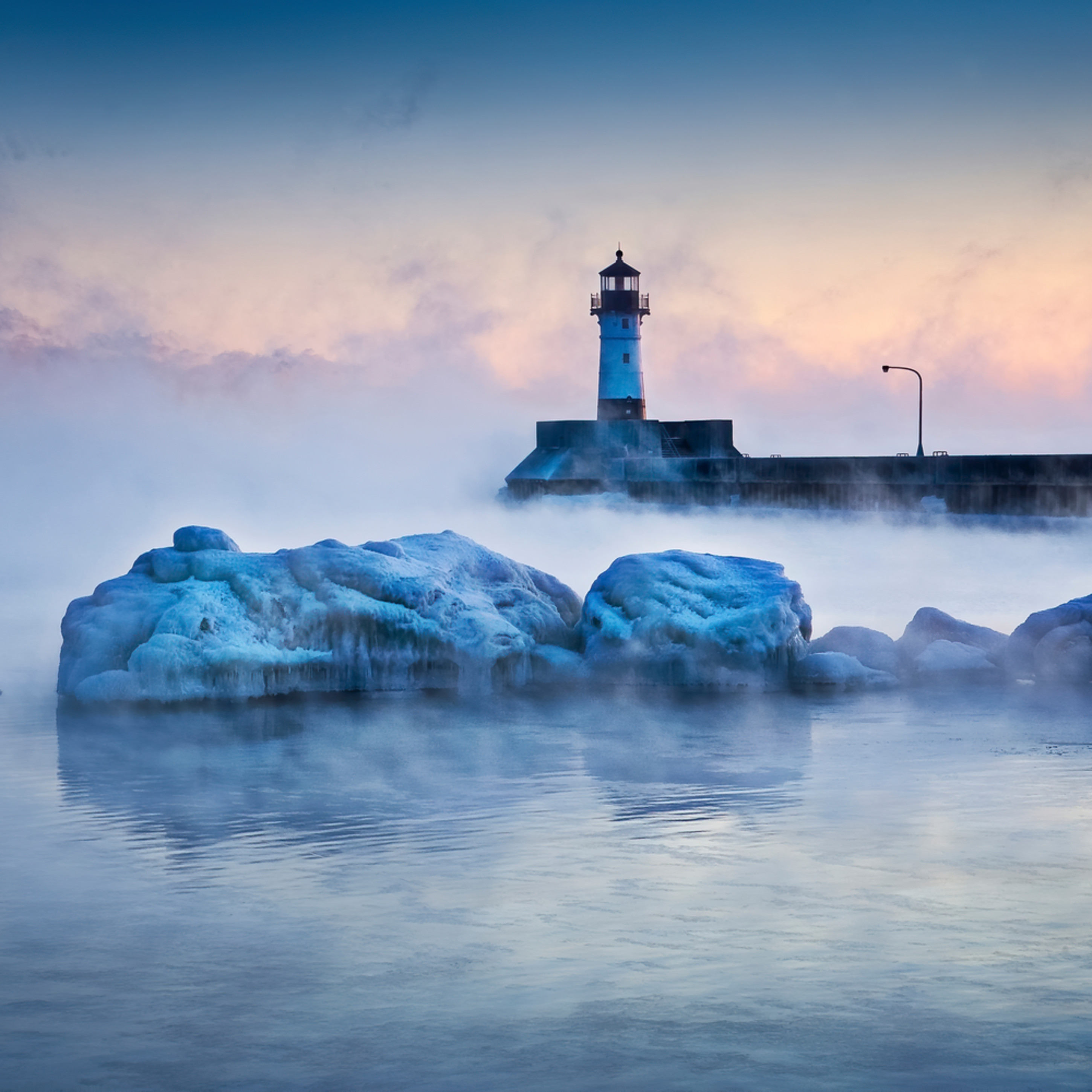 Duluth canal park on a cold sunrise z81q04