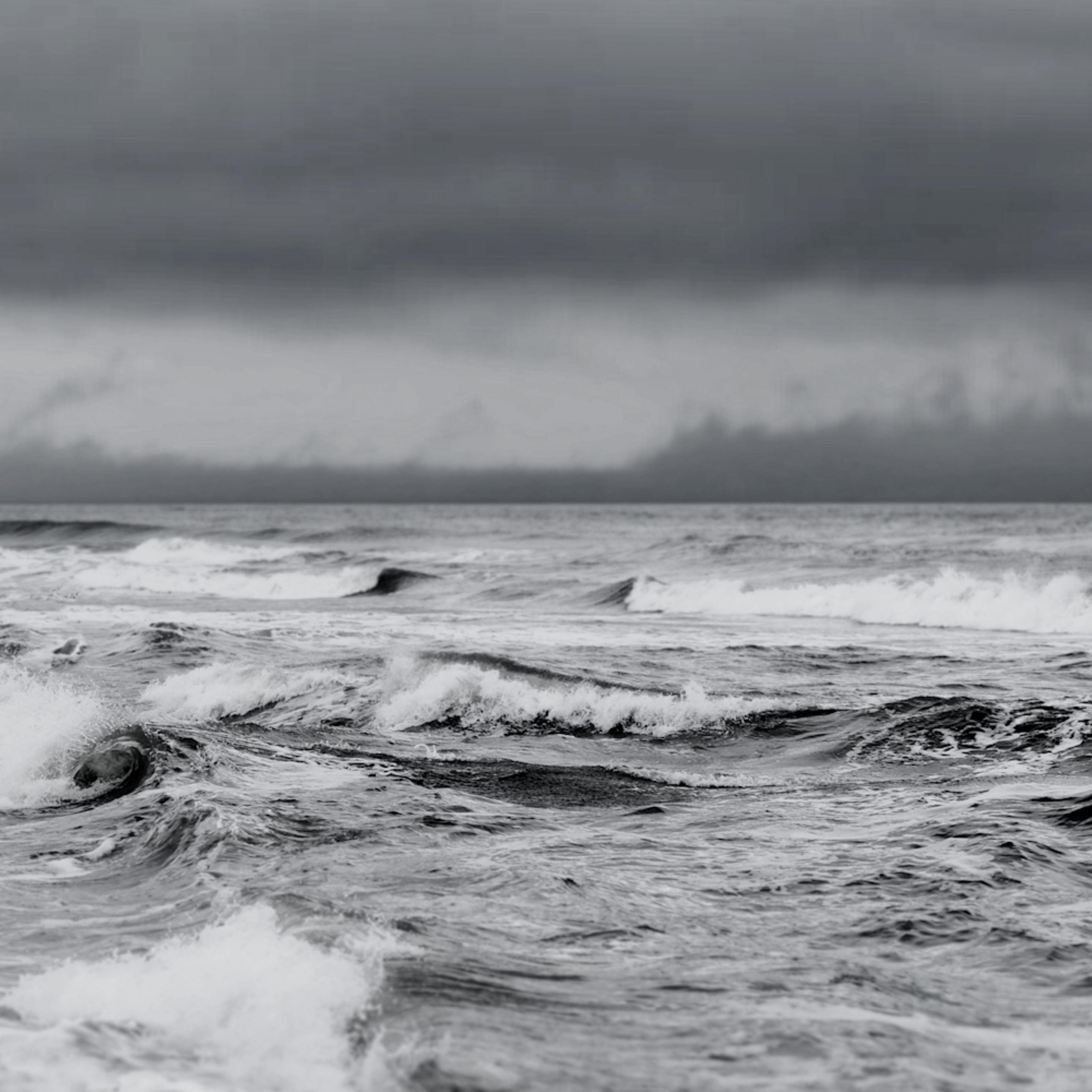 Stormy sea bw wi2ox8
