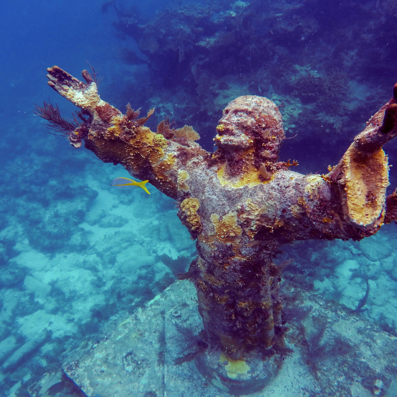 Christ of the abyss key largo florida itr6e4