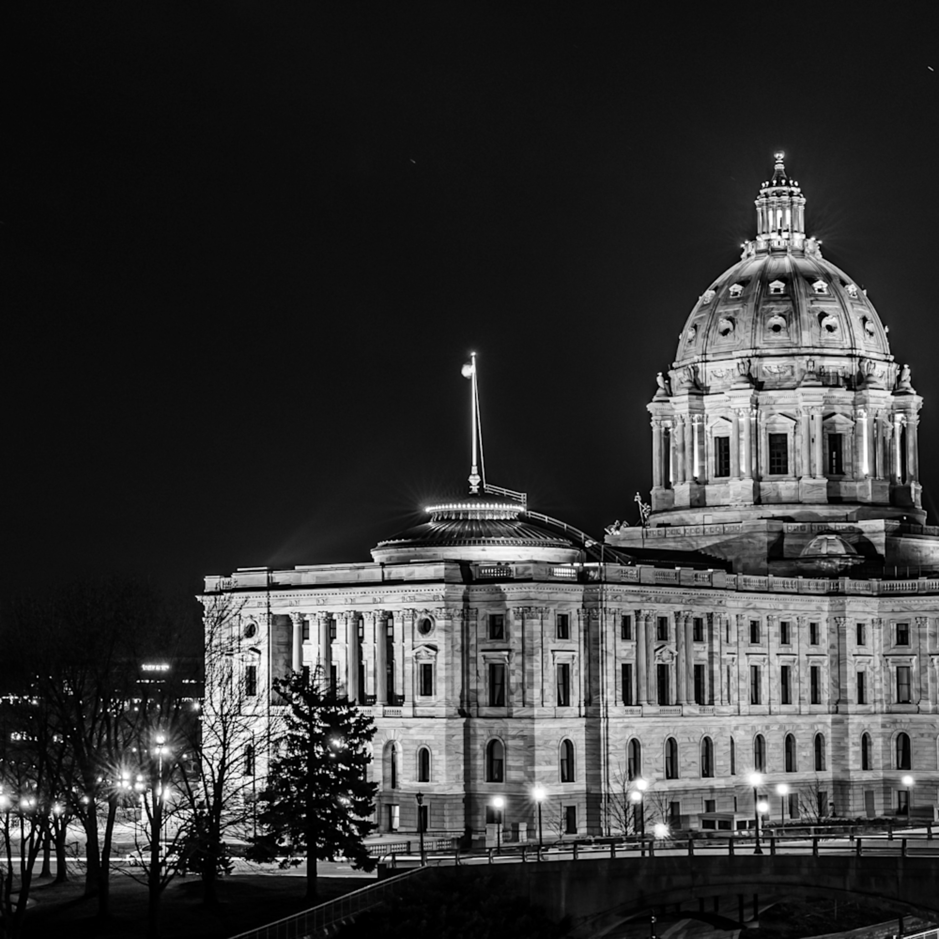 Church and state in saint paul black and white ztppqx