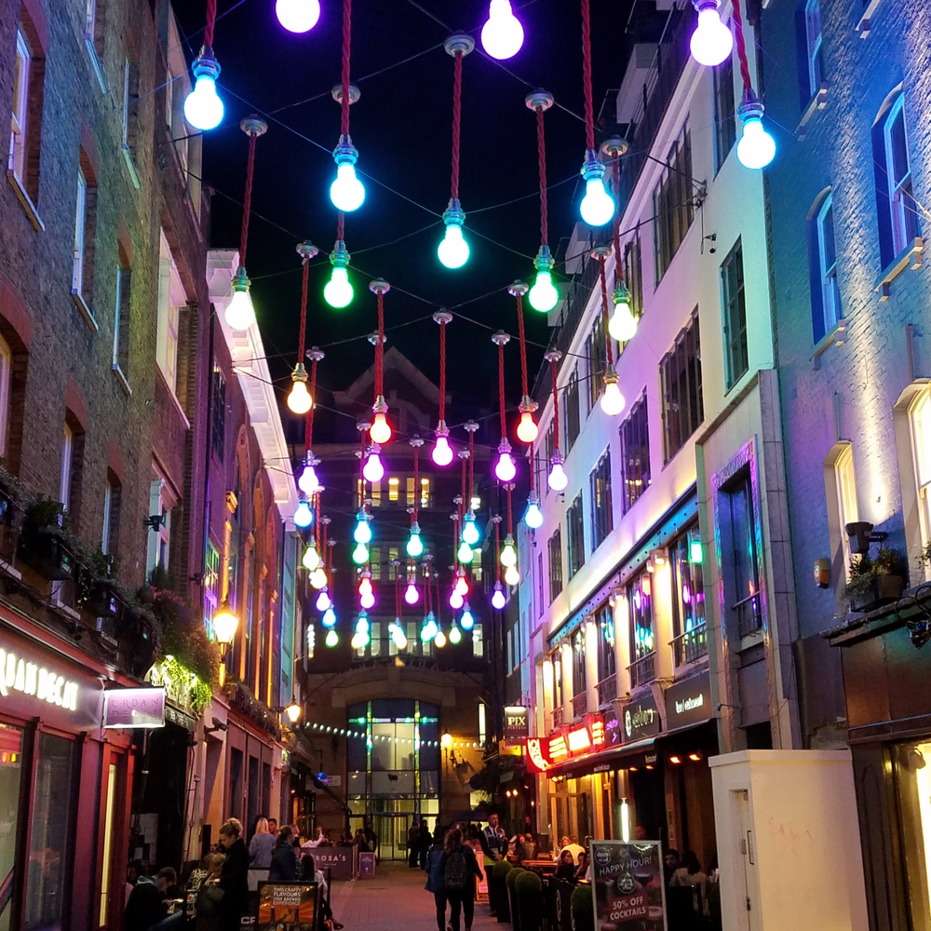 Under the lights at carnaby street zplibh