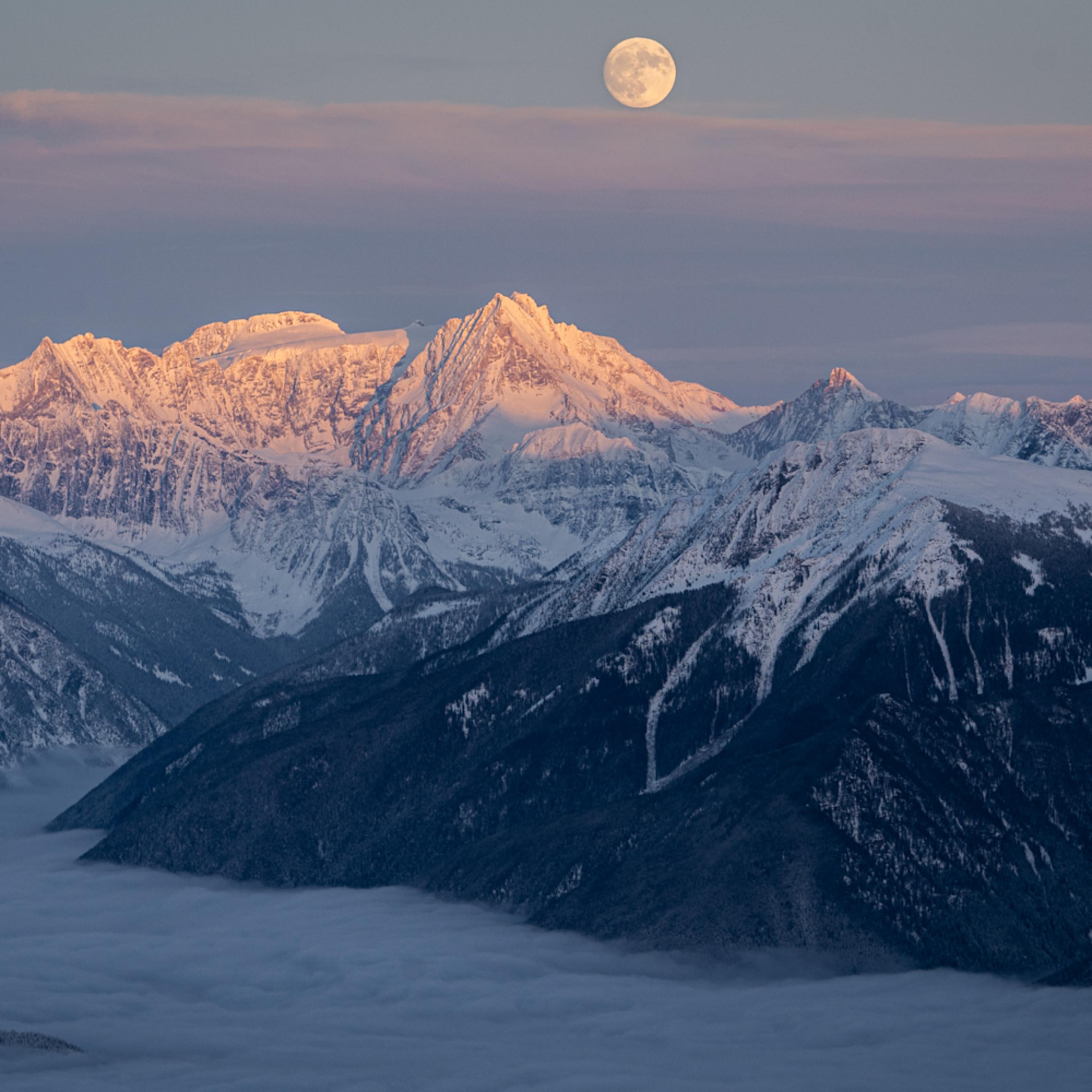 Jumbo moonrise tvyzkw