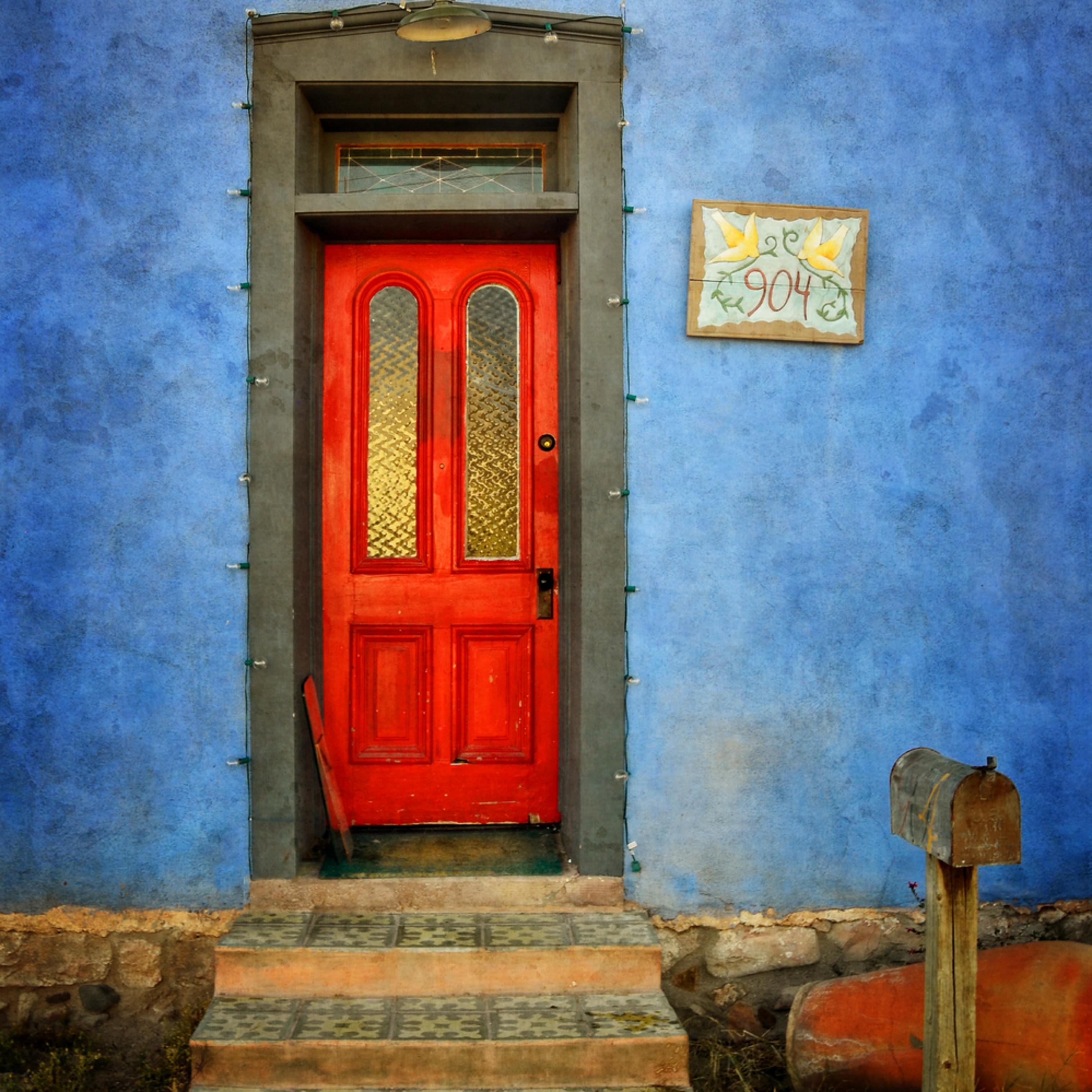 The door at 904 zuz4dl