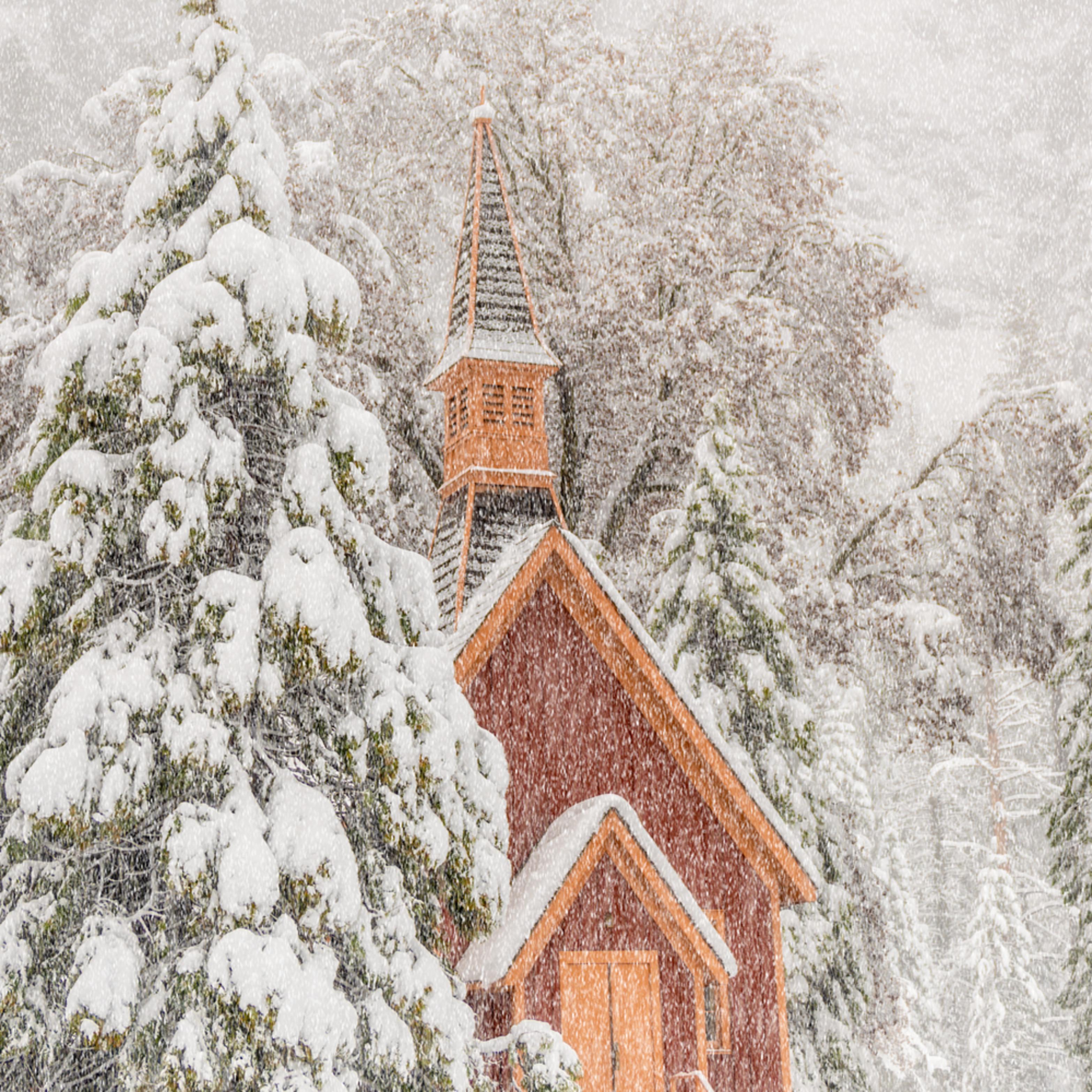 Yosemite chapel ivftfq