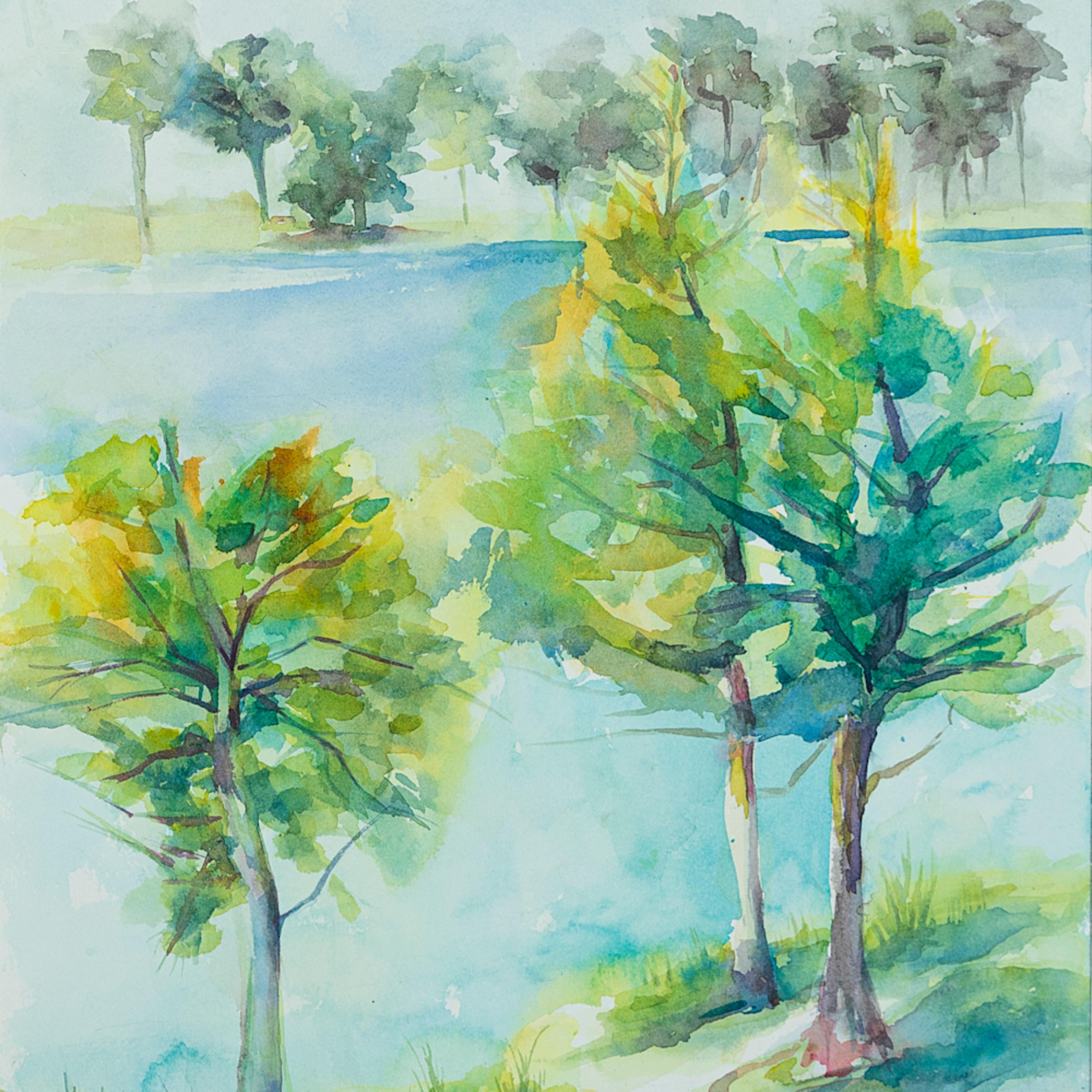Lakeside trees qbo3ow