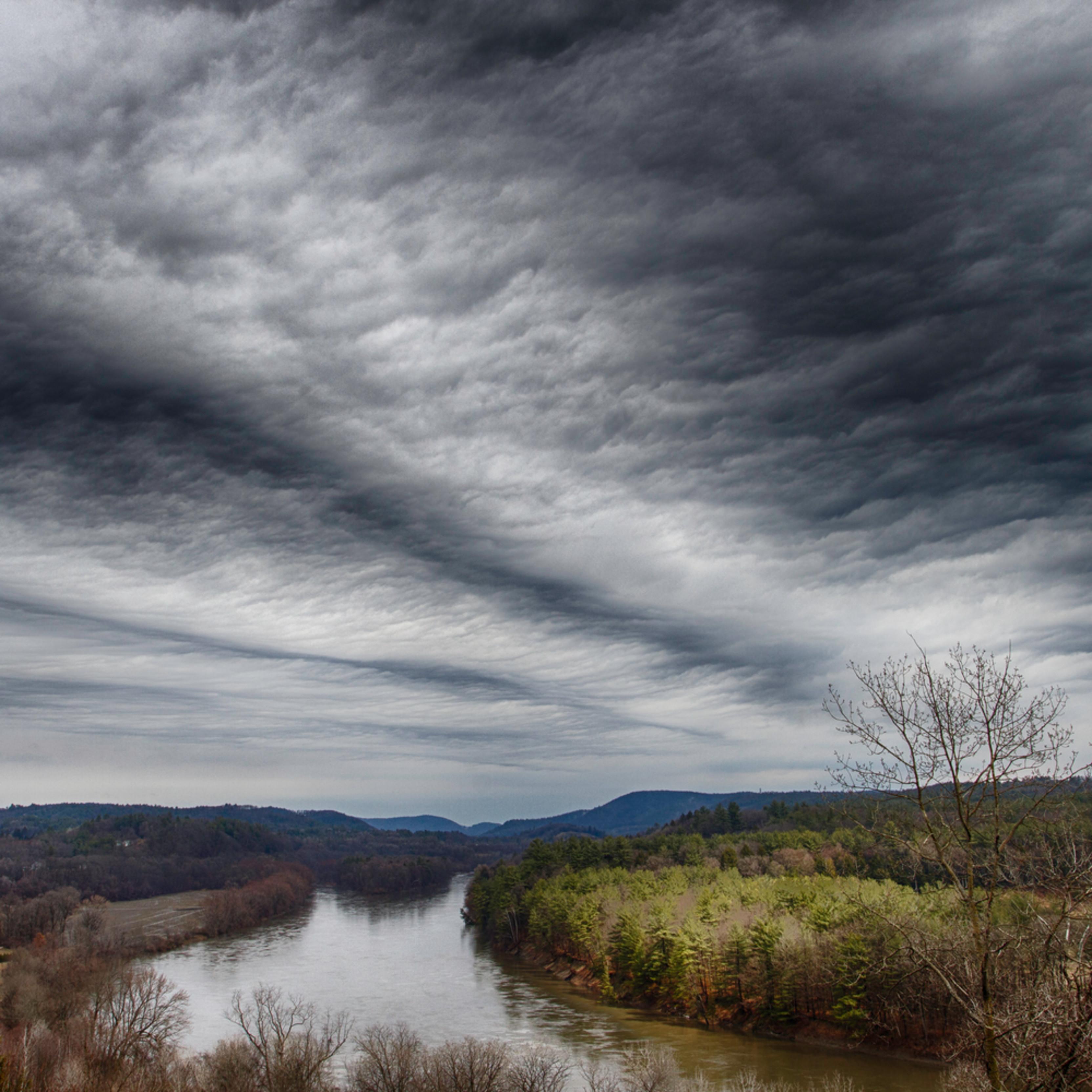 Cloud waves v5nxpf