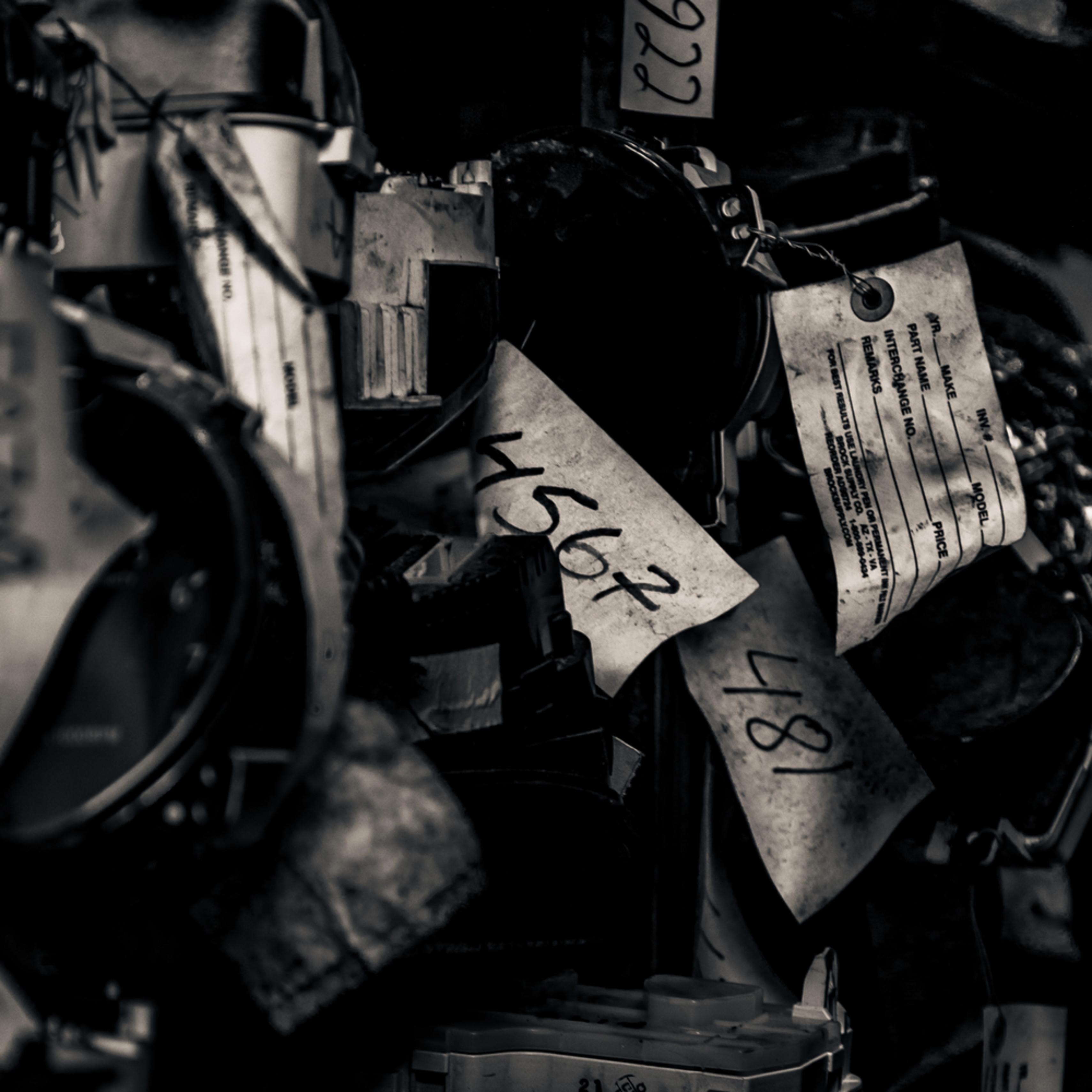Scrap yard labels j3ou7r