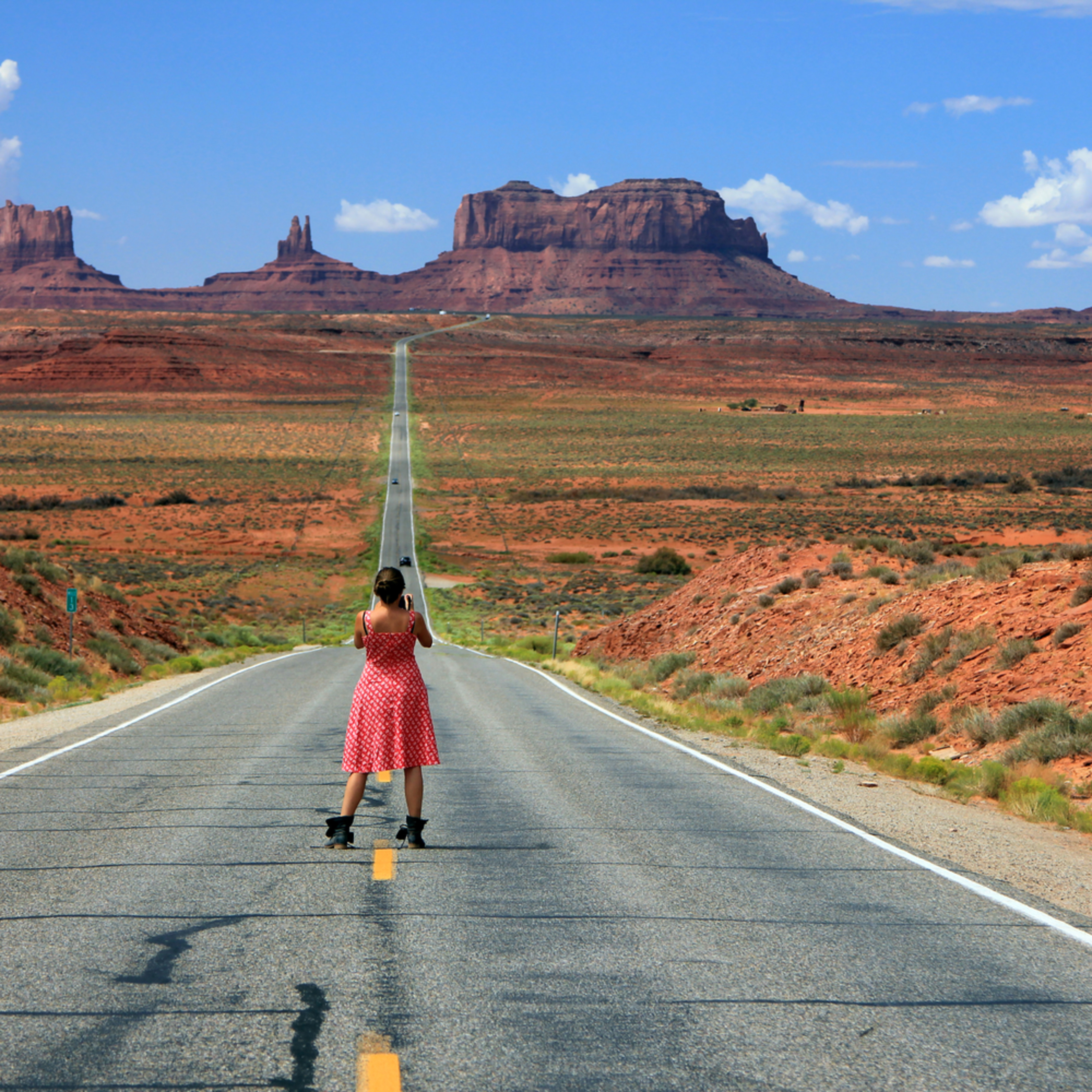 Down the road to monument valley nxmkpa