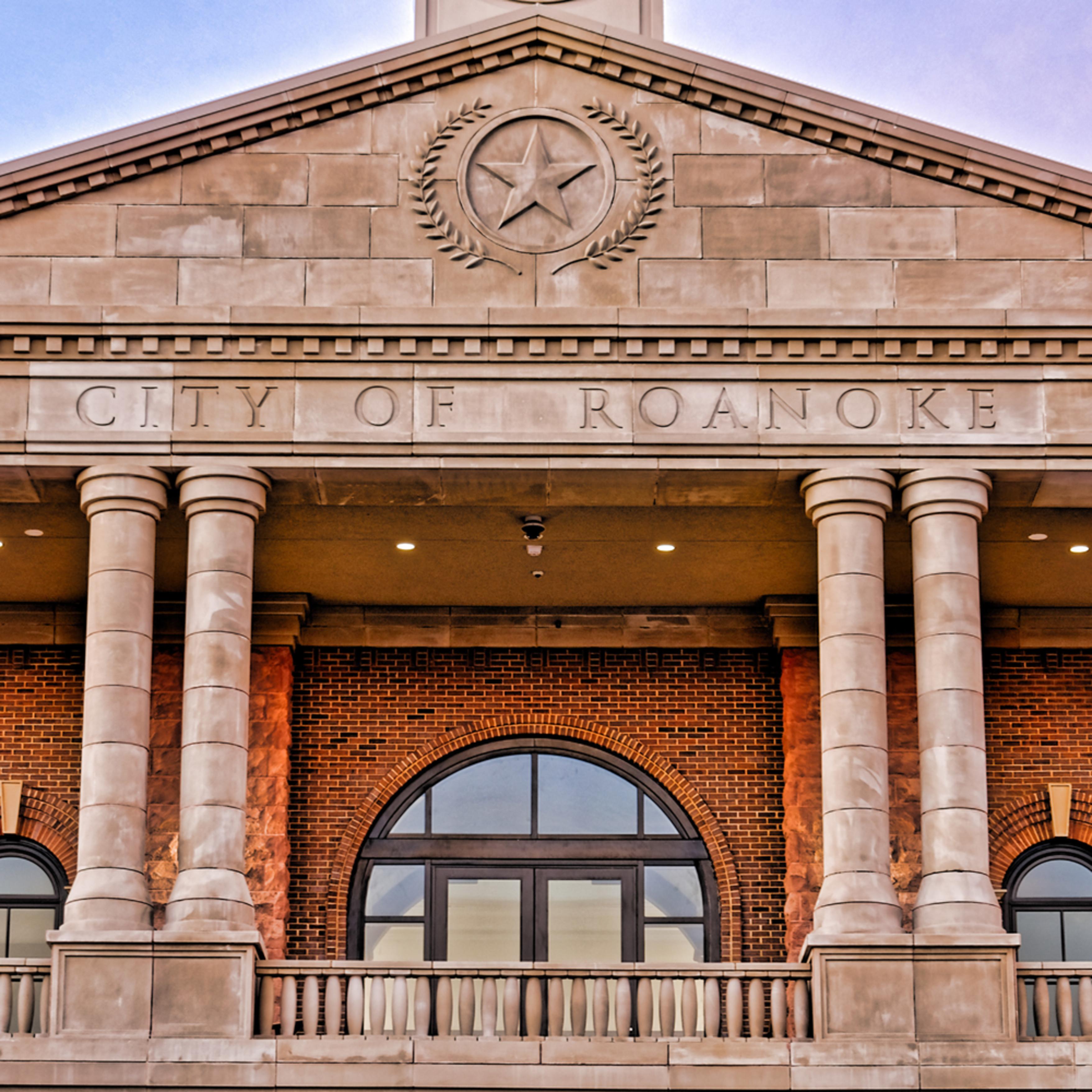 Roanoke town hall 22 detail bbv3zp