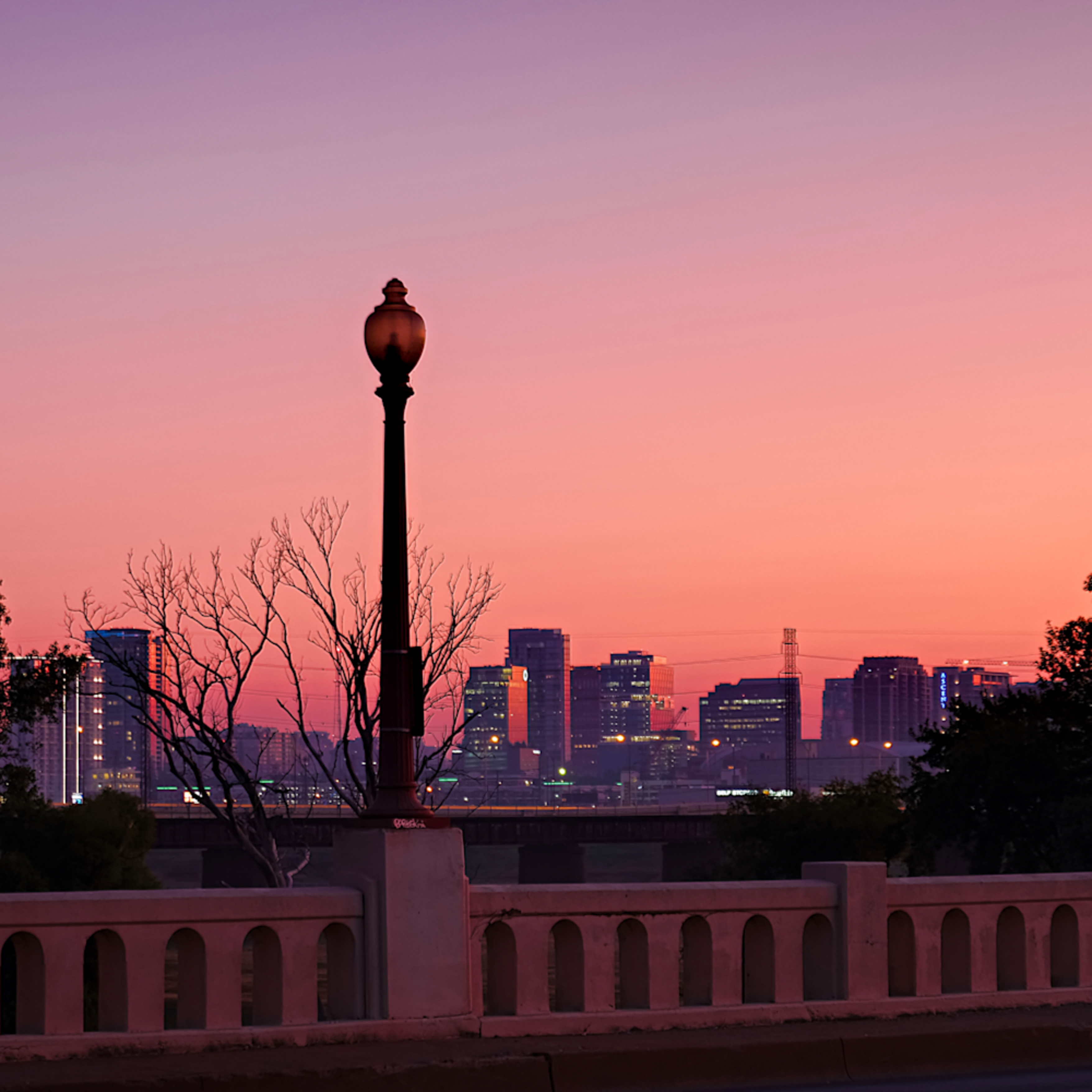 Dallas skyline at dawn 2 h8xgn0