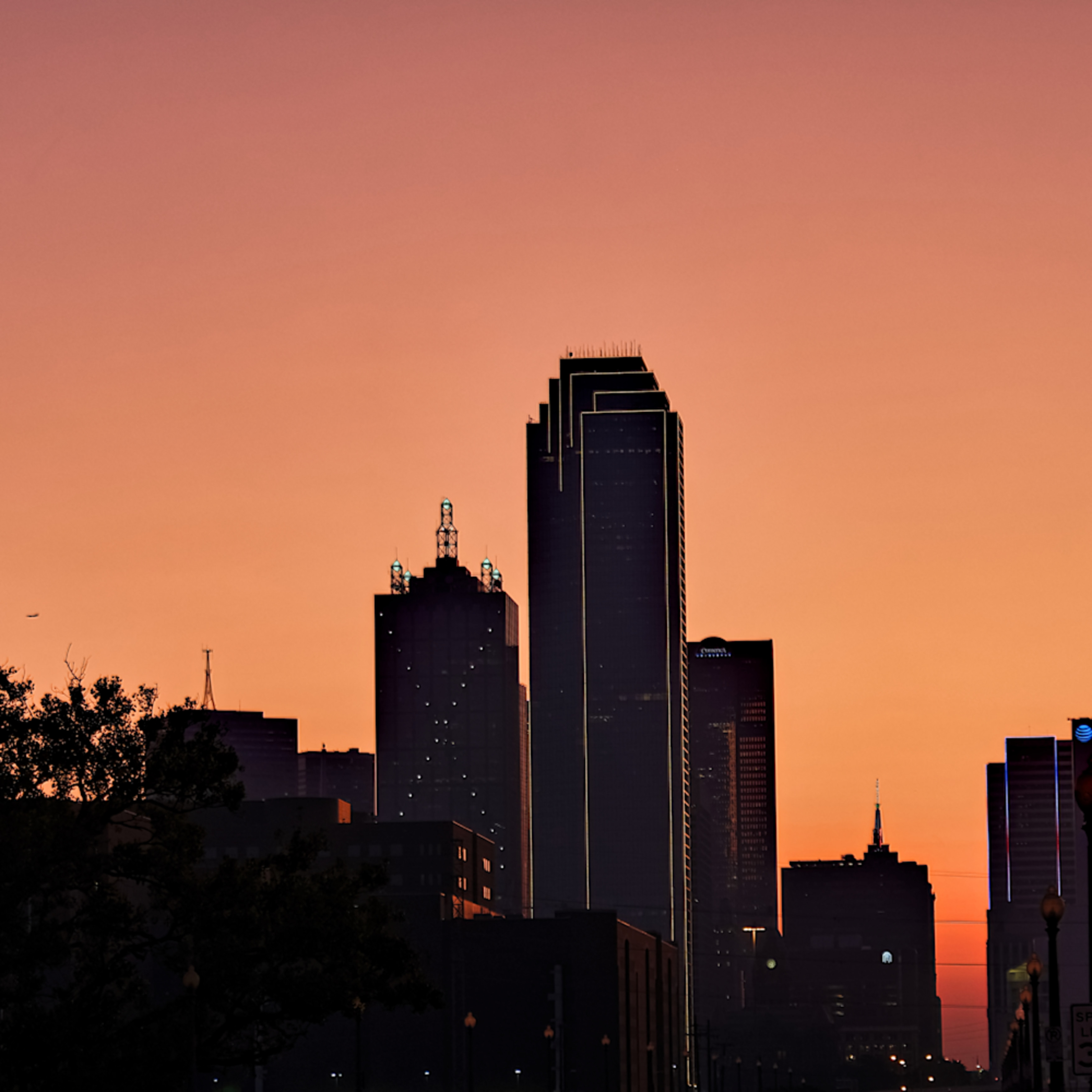 Dallas skyline at dawn 4 xwrekm