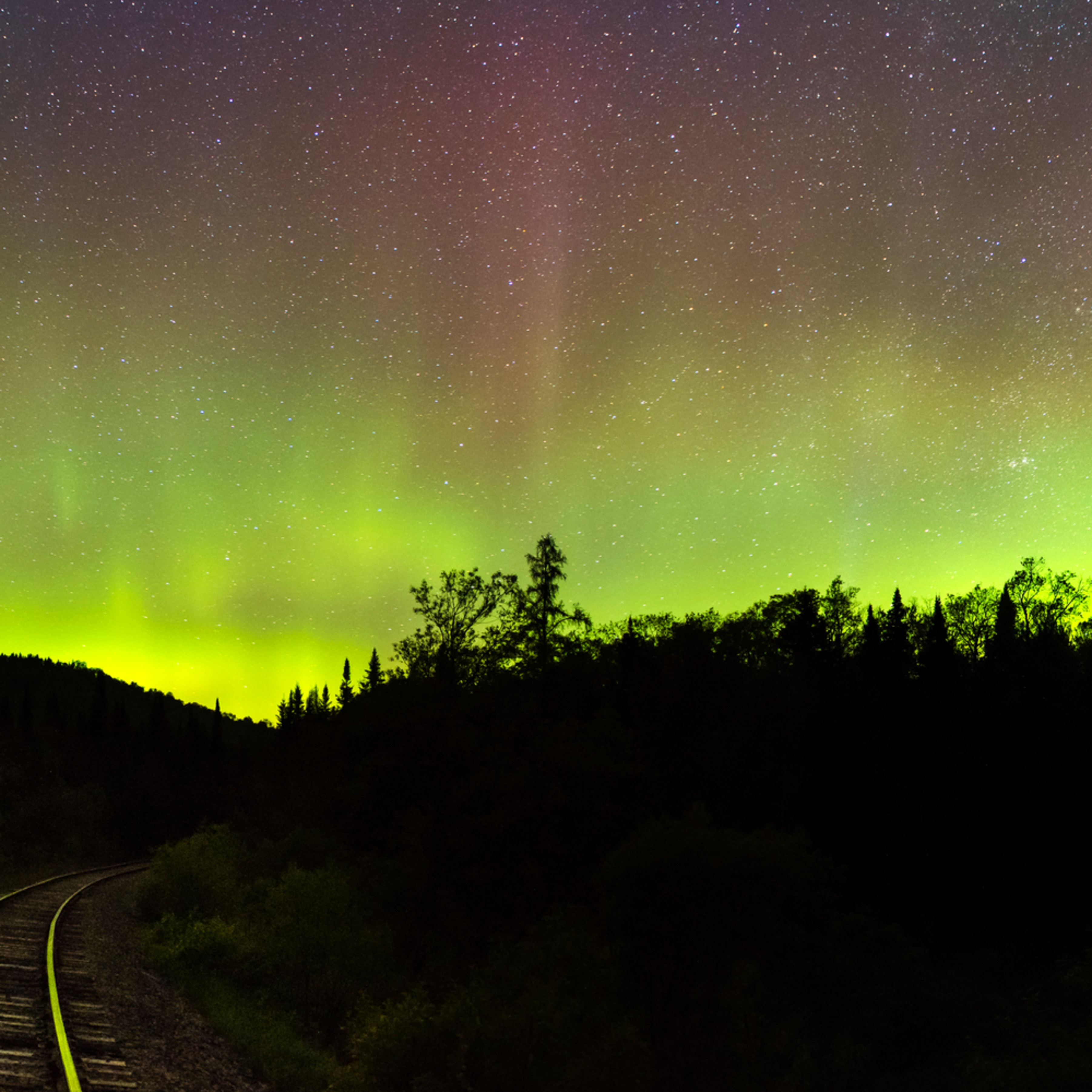 Northern light train tracks cpdyof