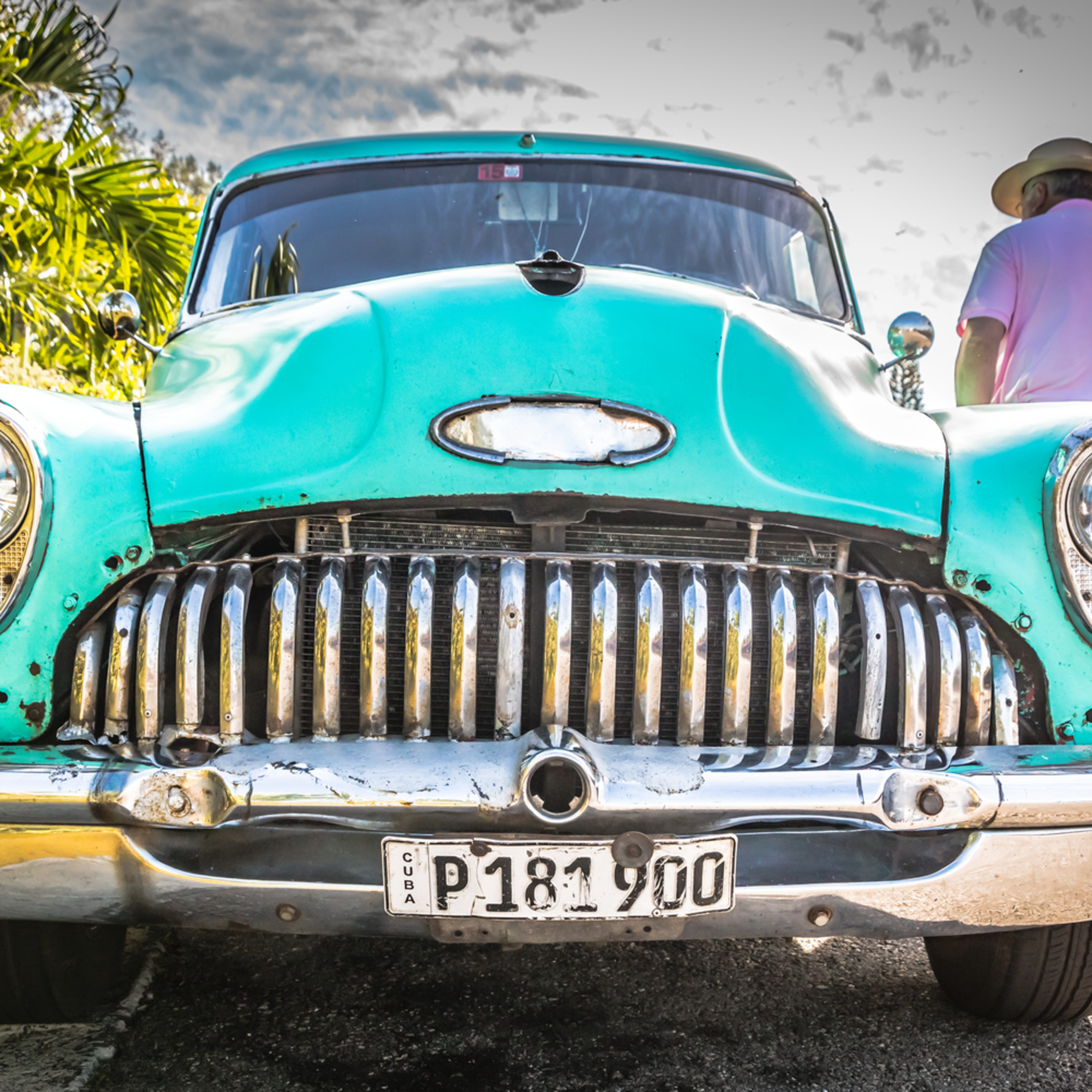 Cuban car r6od3u