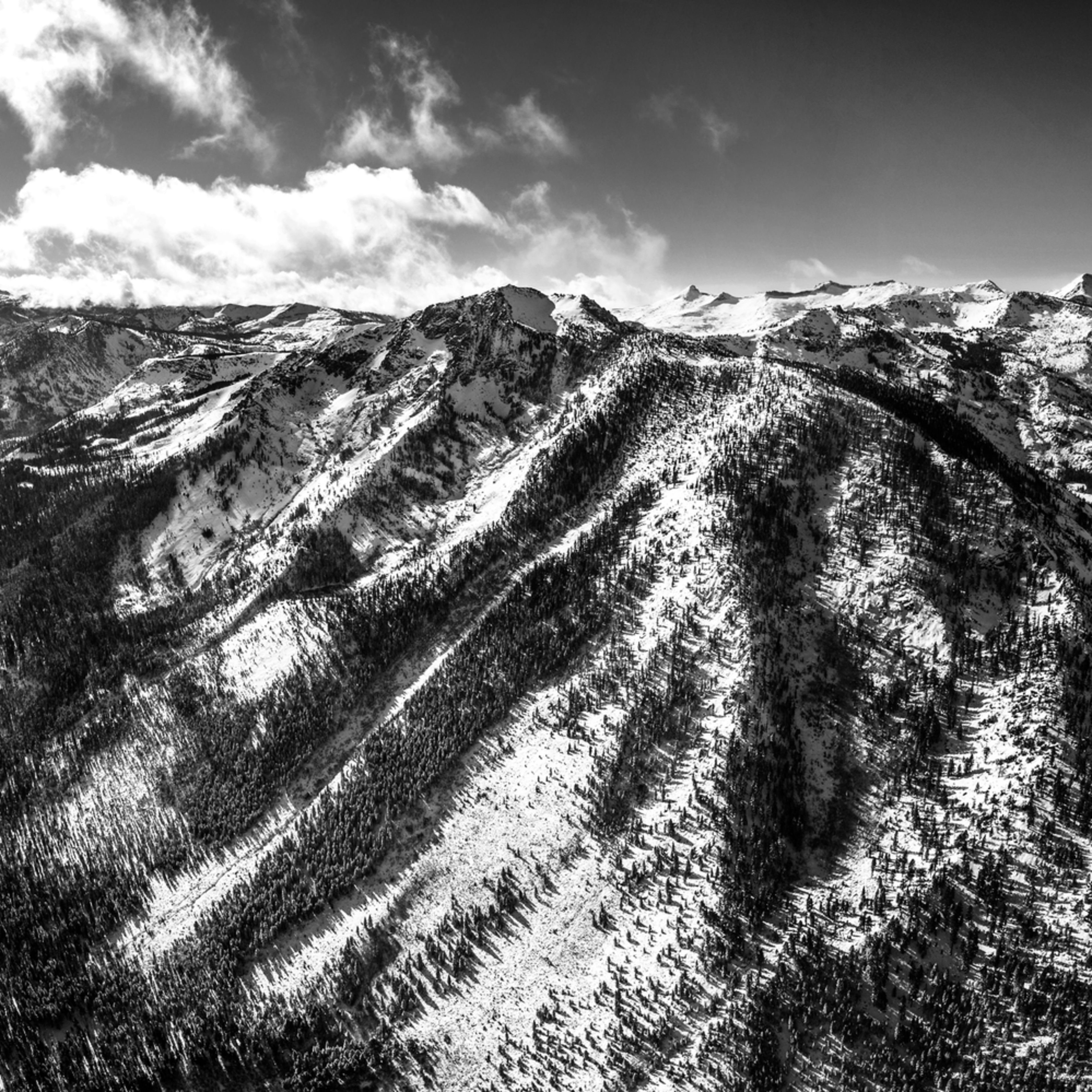 Tallac winter pano aerial black and white ho6czq