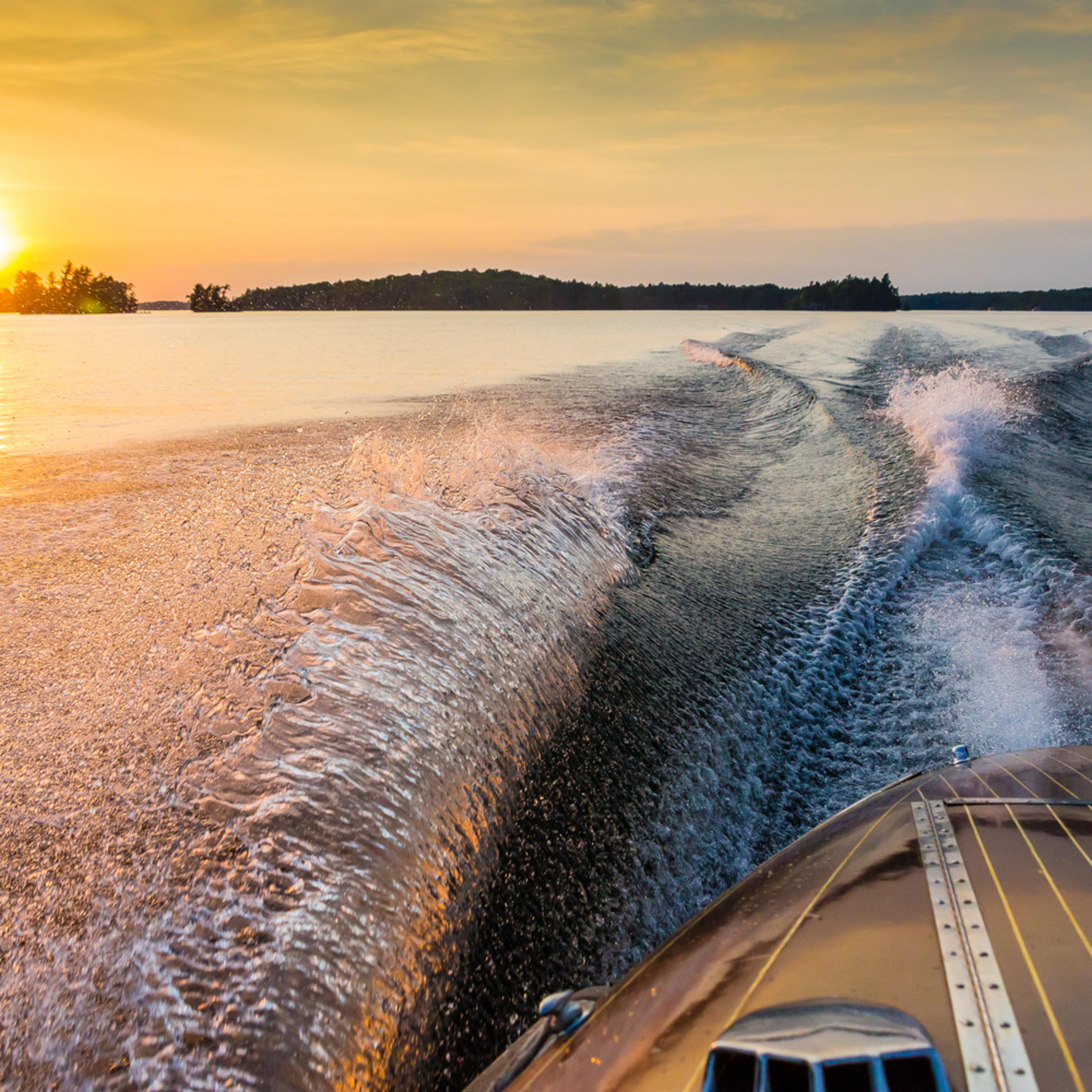 Sunset cruise c8ujev