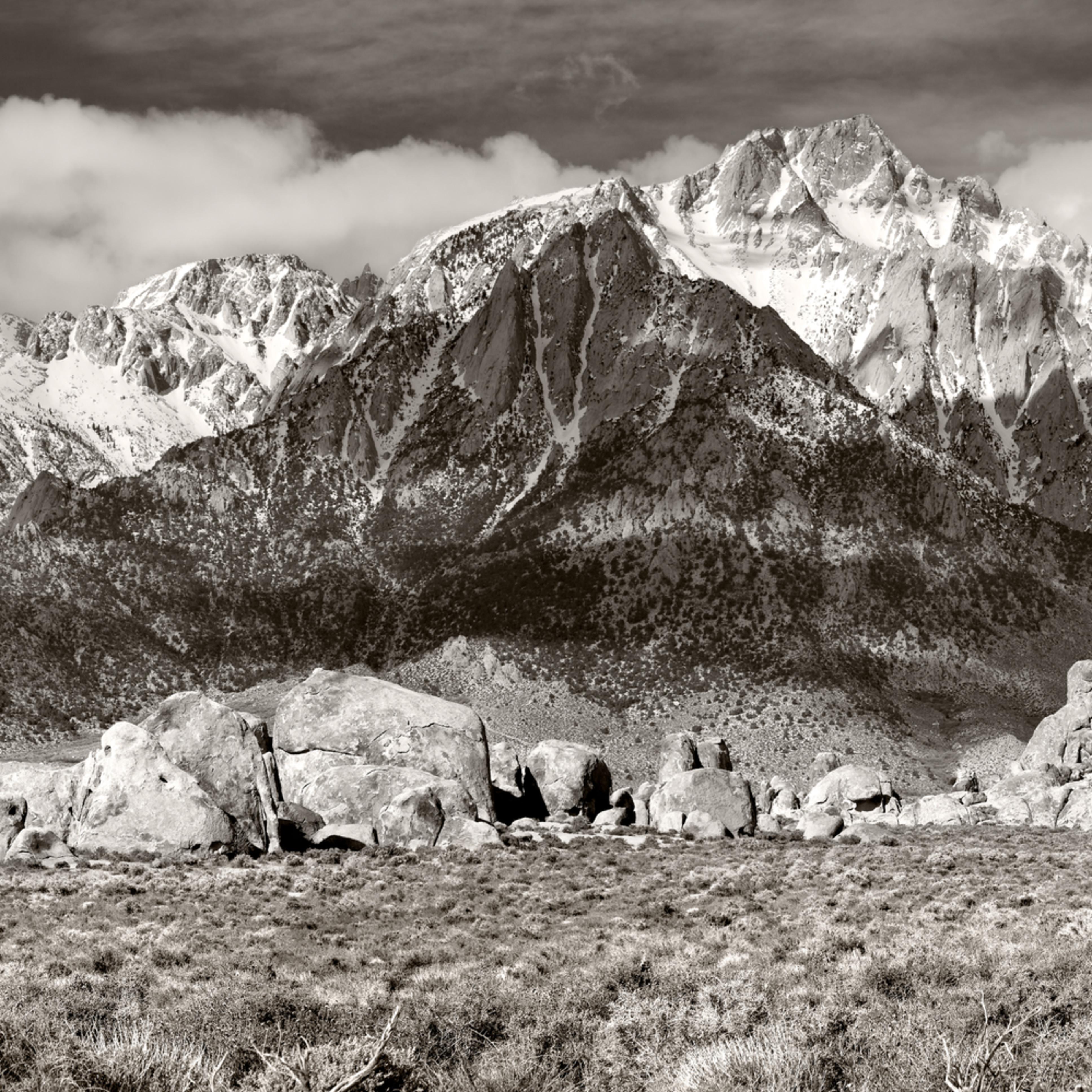 Lone pine peak  eastside of the sierra jjrt8f