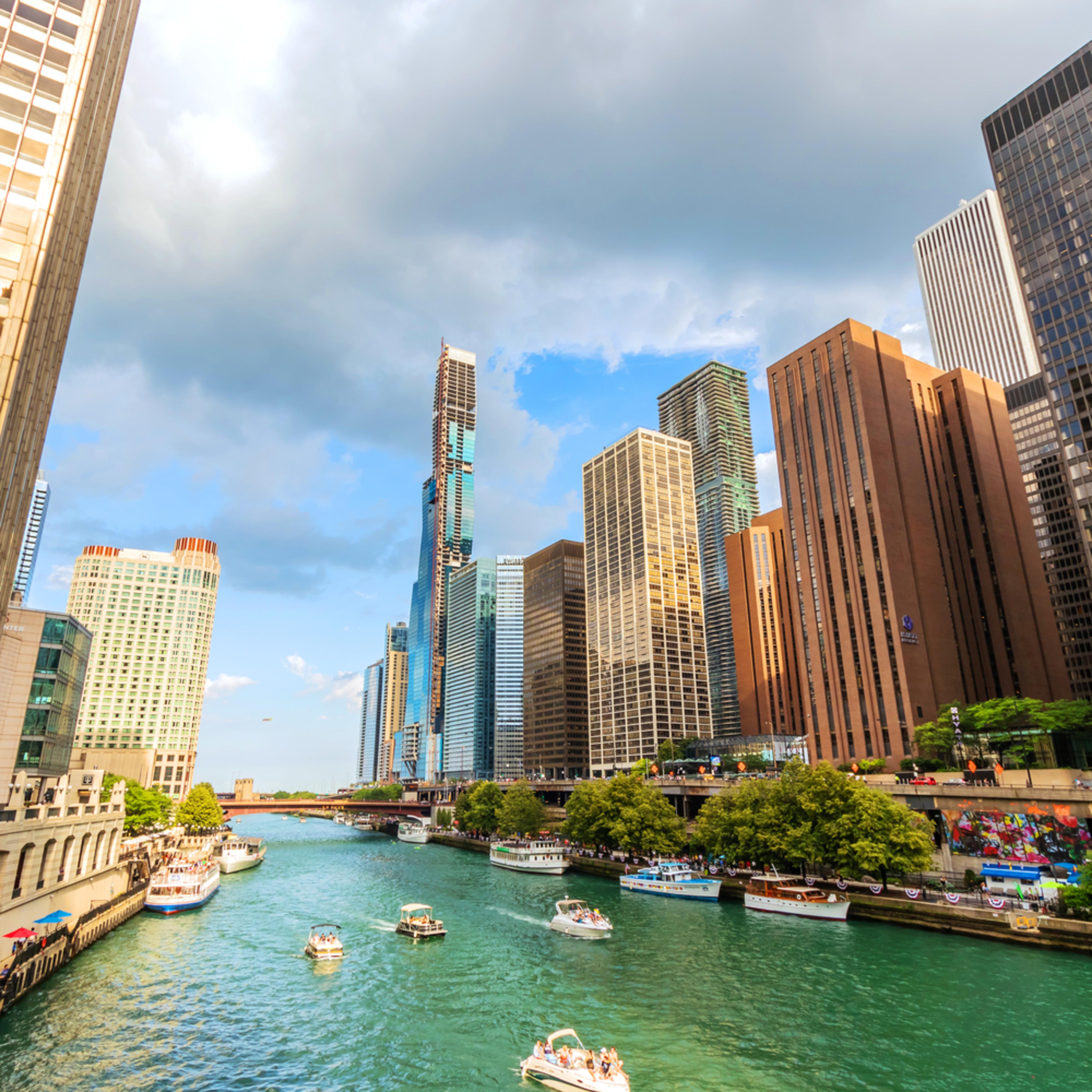 Chicago river at michigan avenue dldkfv