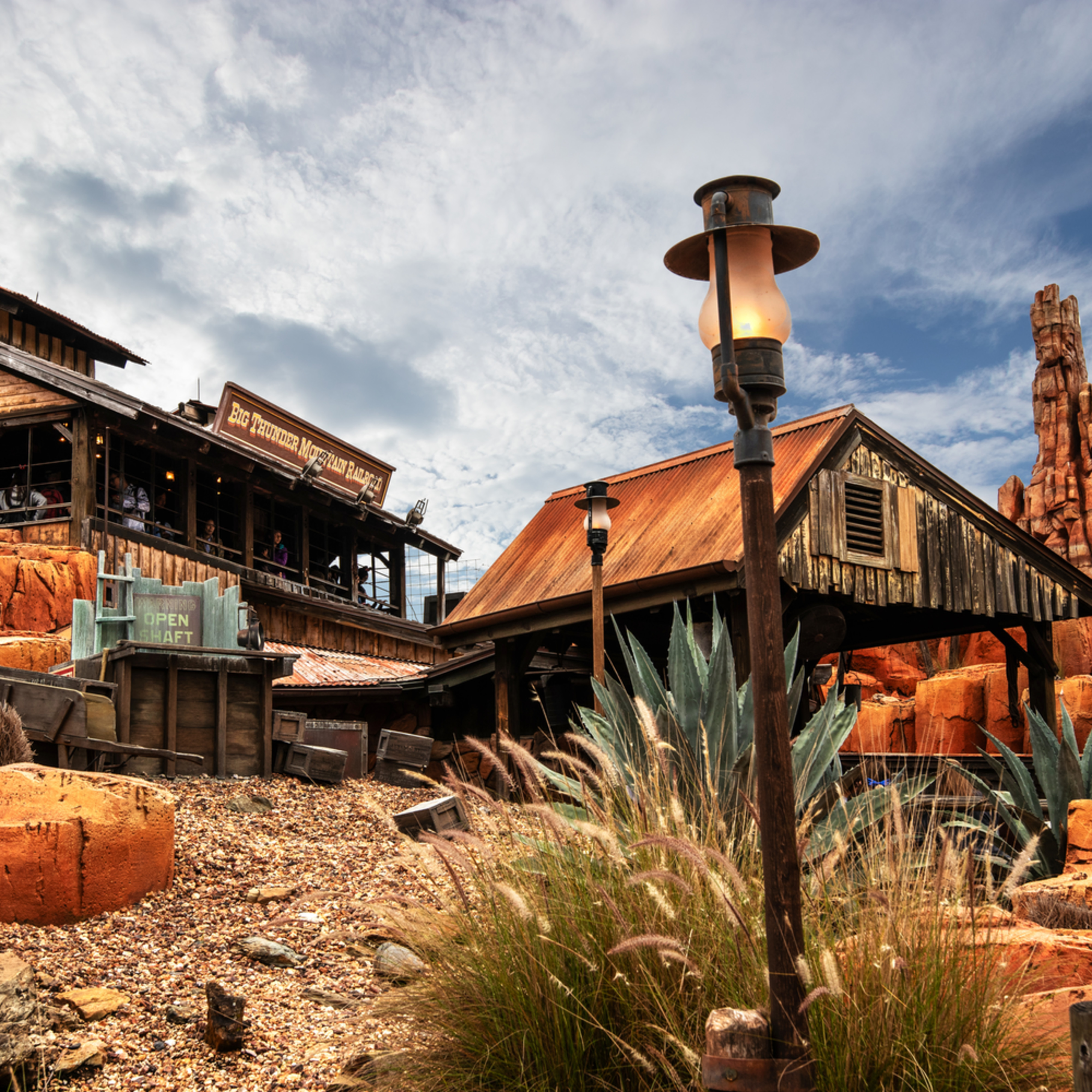 The wilderness of big thunder mountain qsrsvy