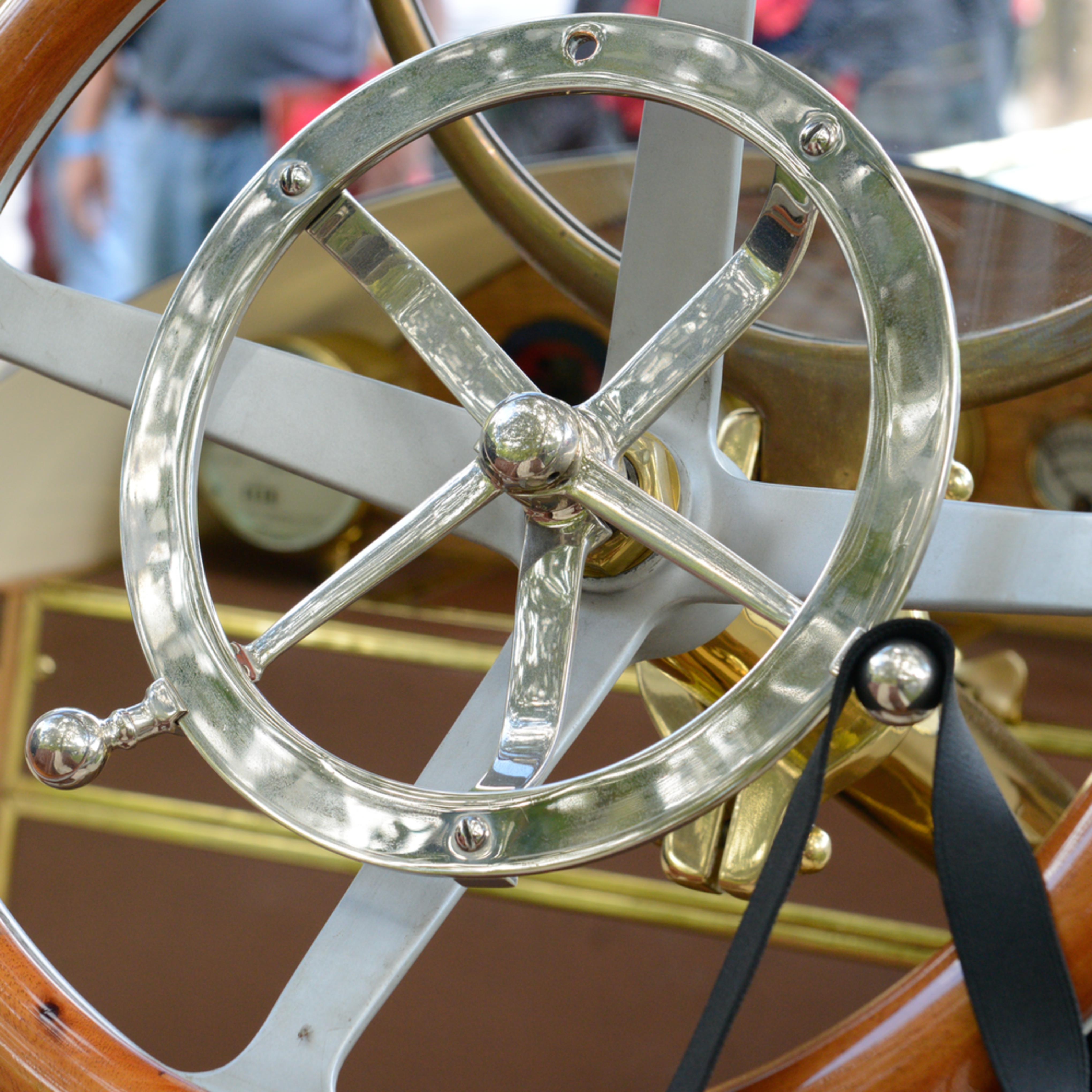 1911 marmon steering wheel detail rqie7n