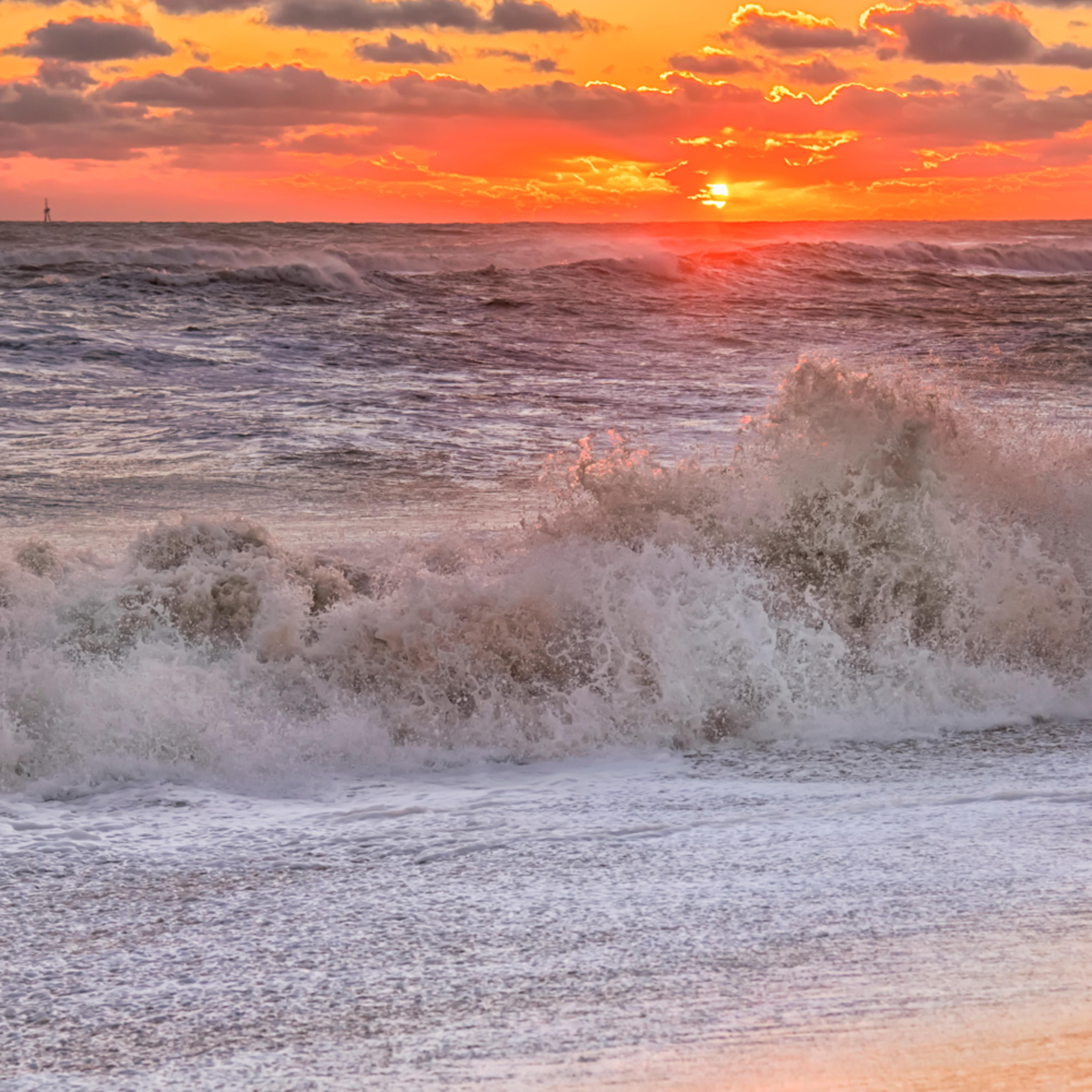 South beach sunset crashing waves uzdl4b