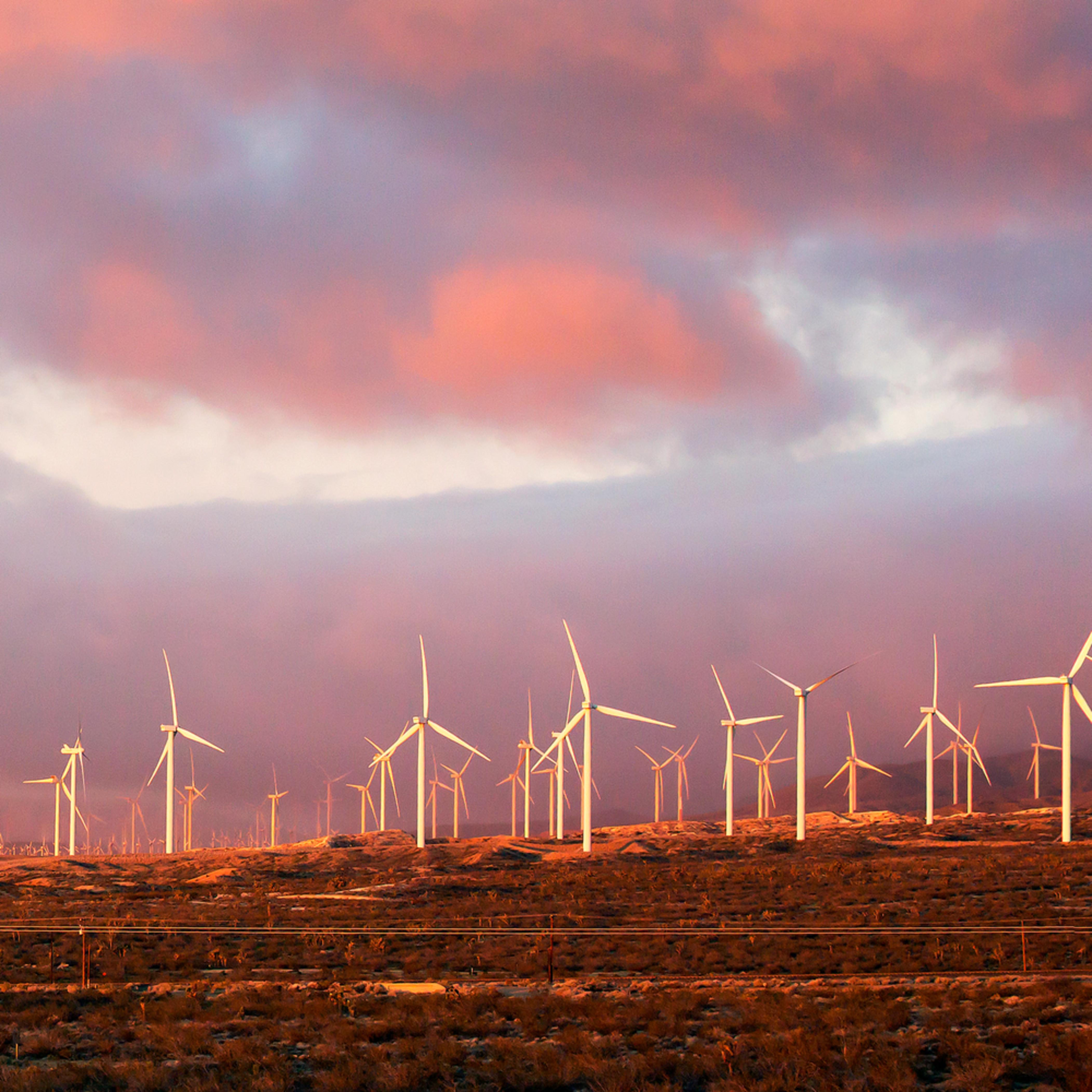 Windmill sunriseb d3xhny