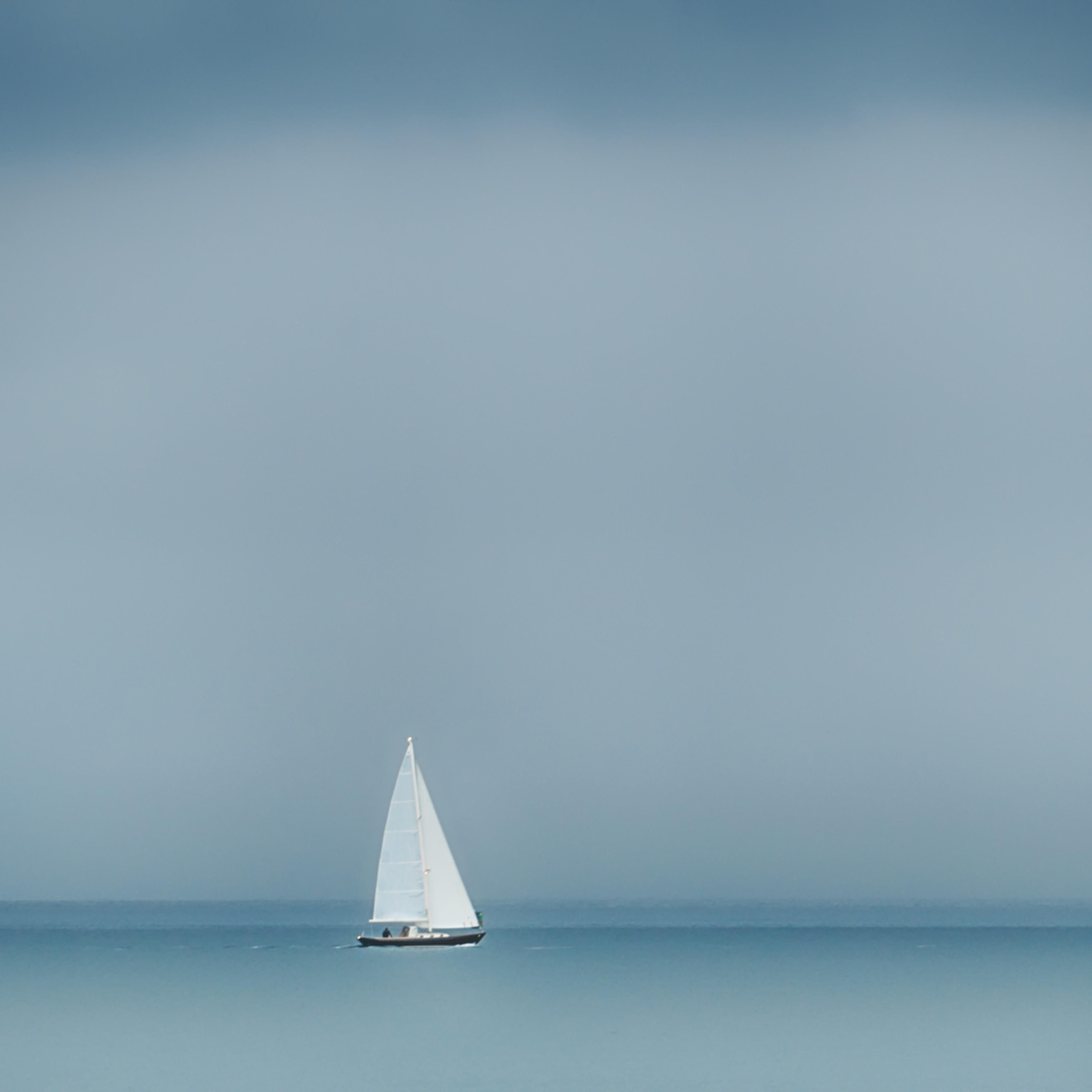 Sailing single handed vt38tj