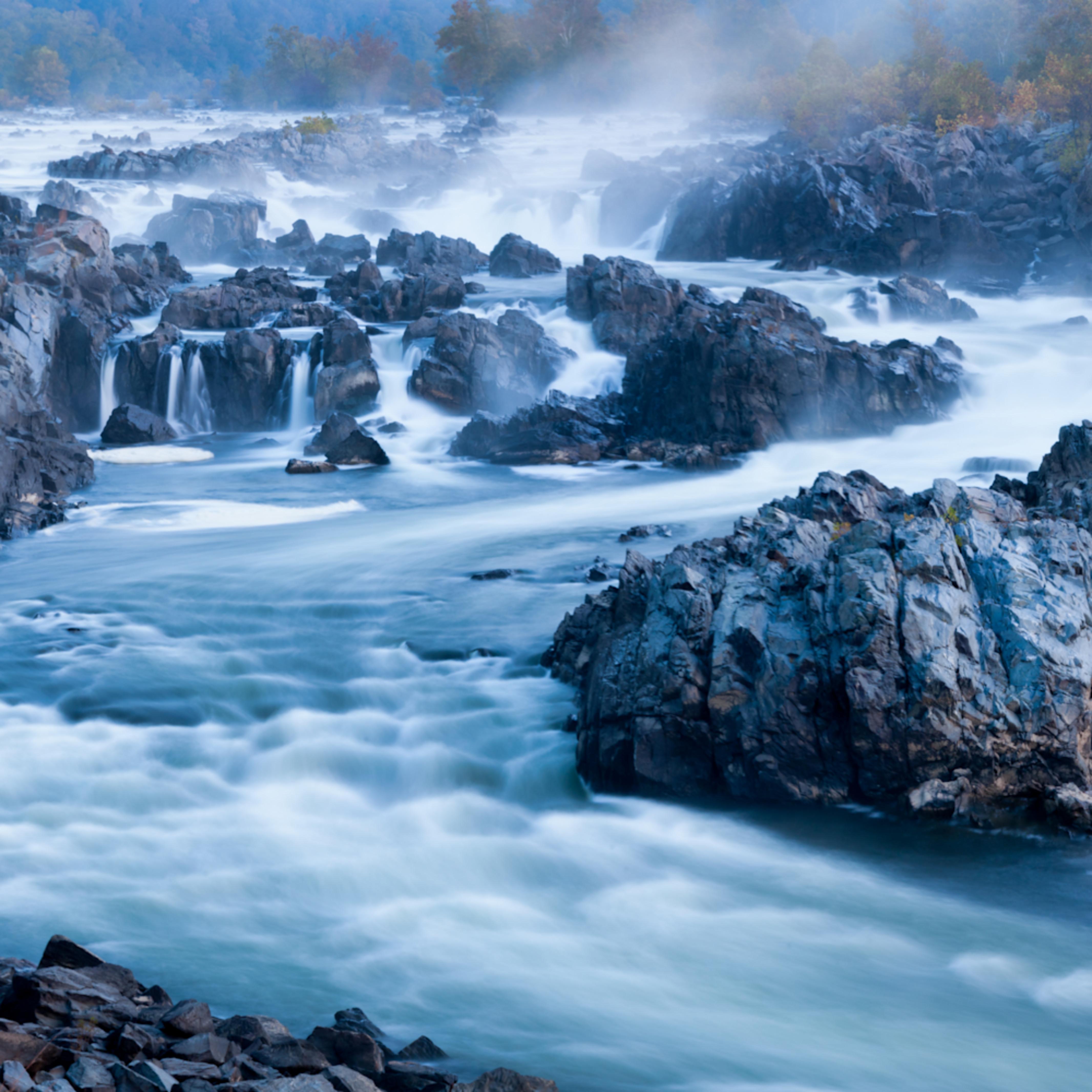 Mist rises over great falls t4usfc