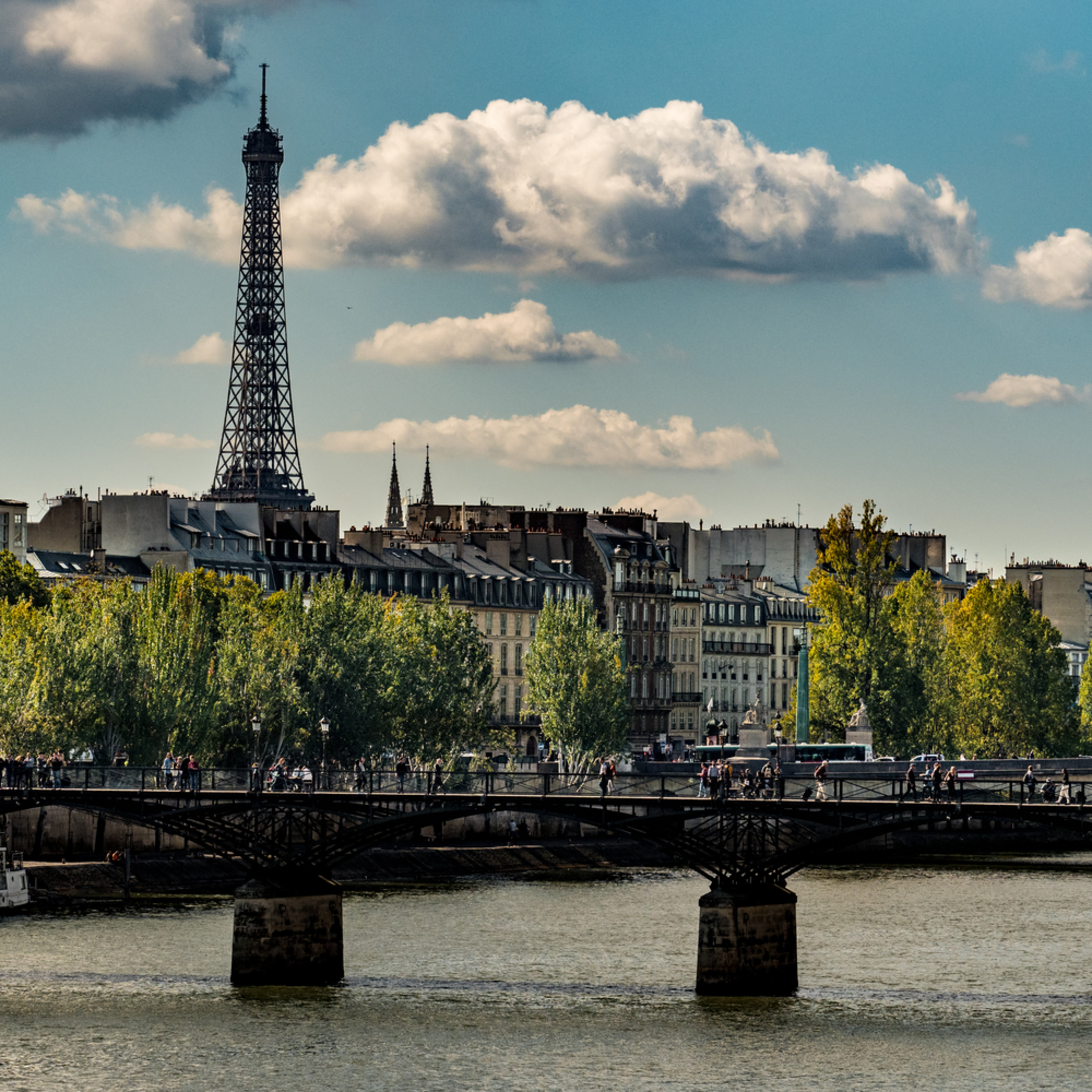 Paris 9 17 252 zmjxn4