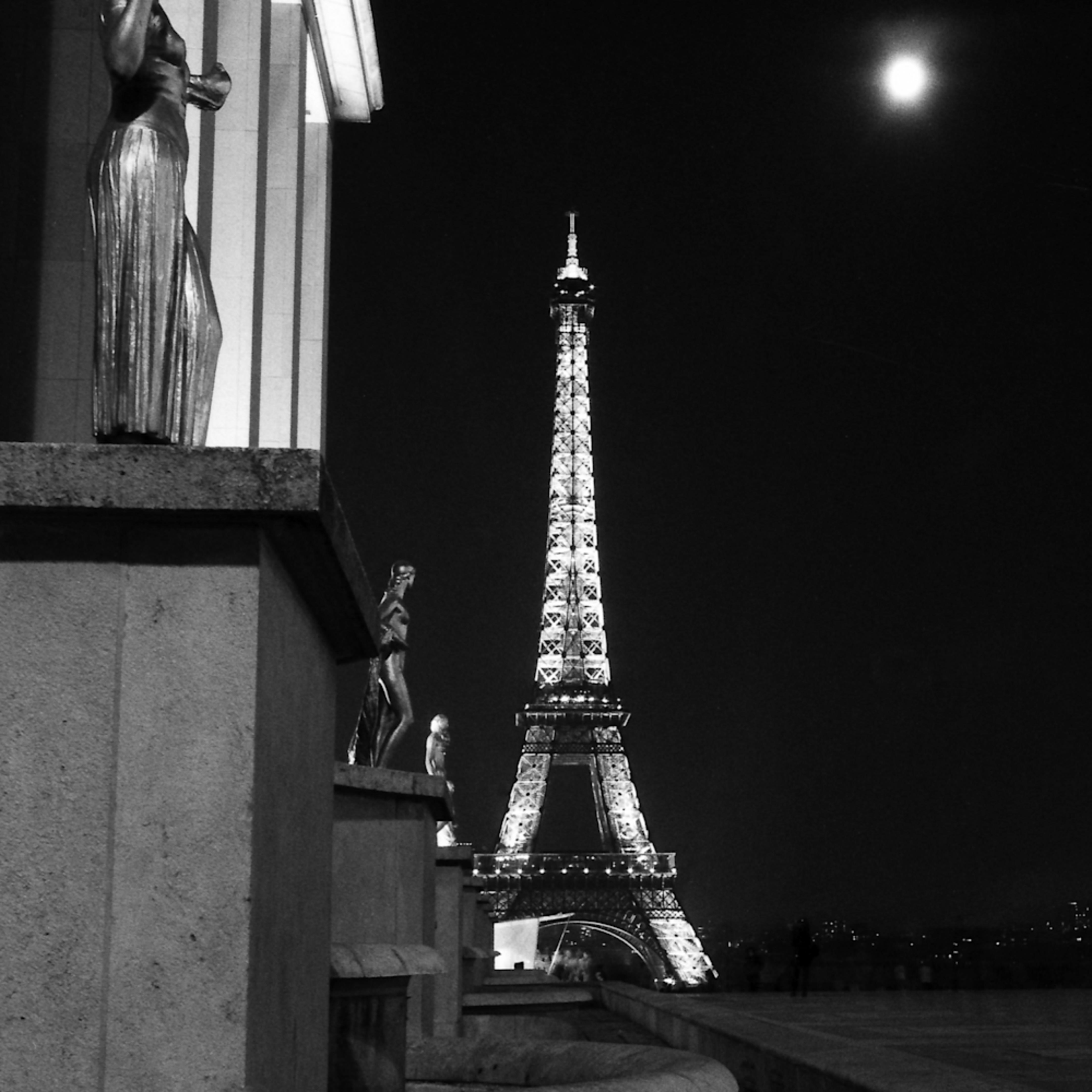 Palais de chaillot et la tour eiffel c6tack