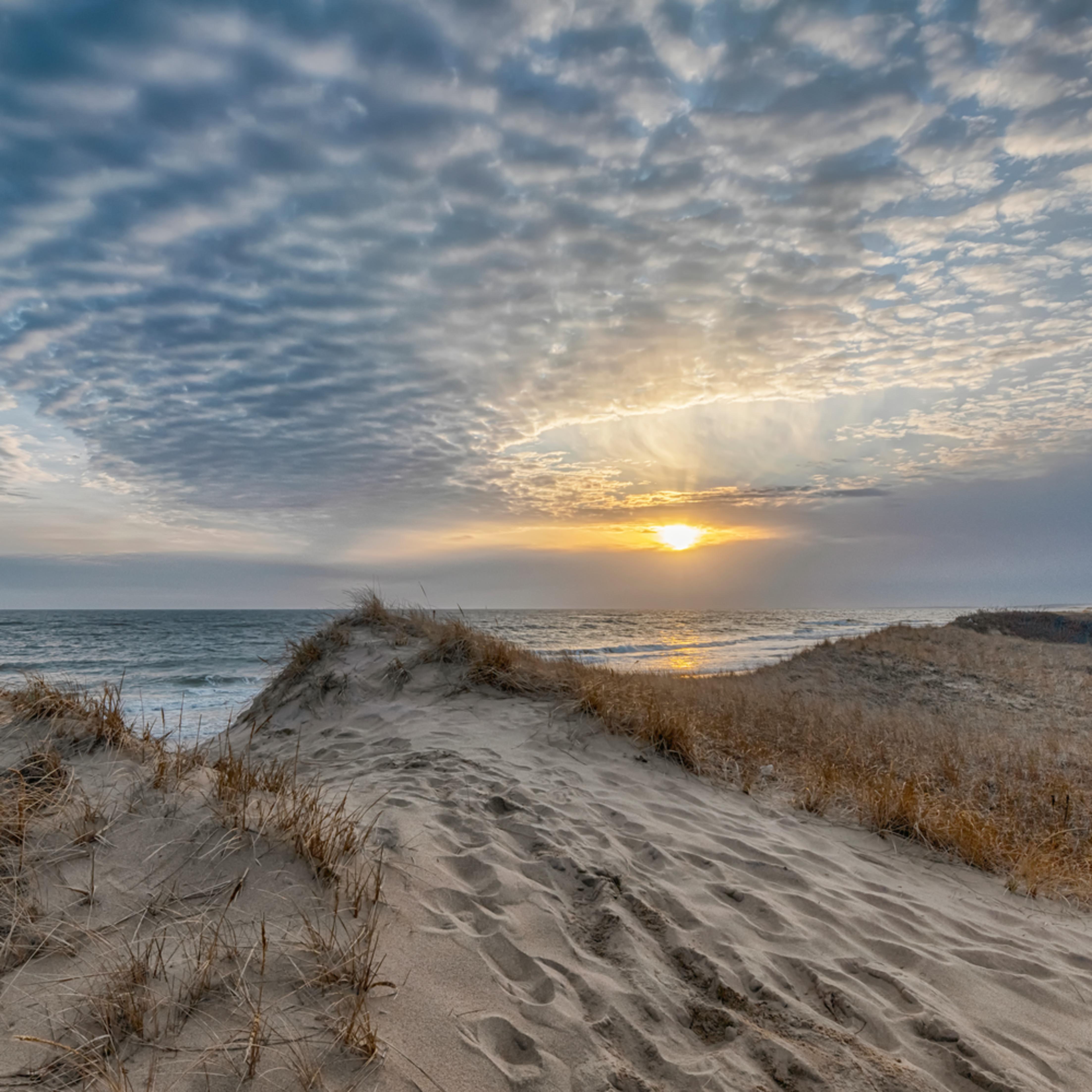 South beach winter clouds 2020 qpizrx