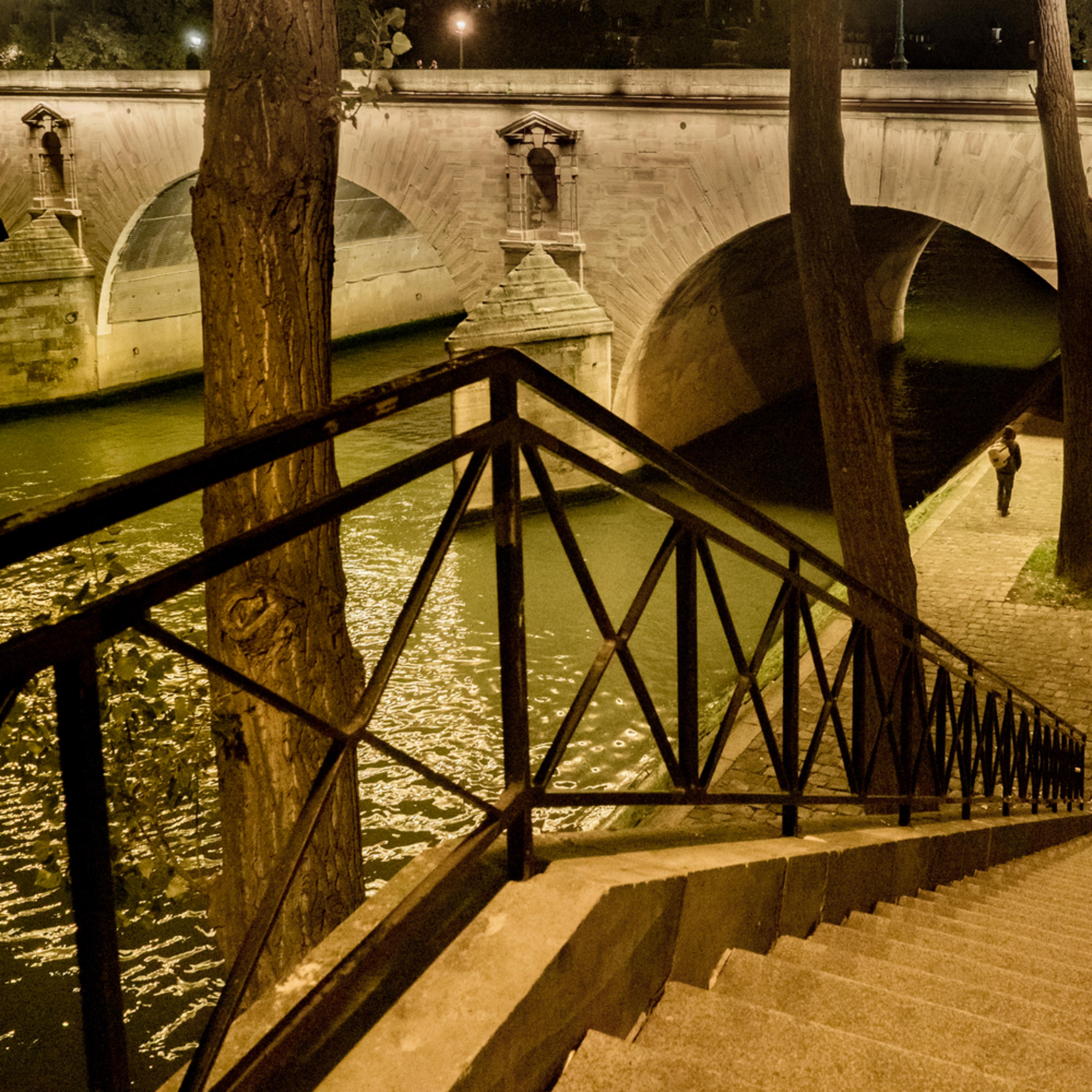 Paris 9 17 071 htmgtg