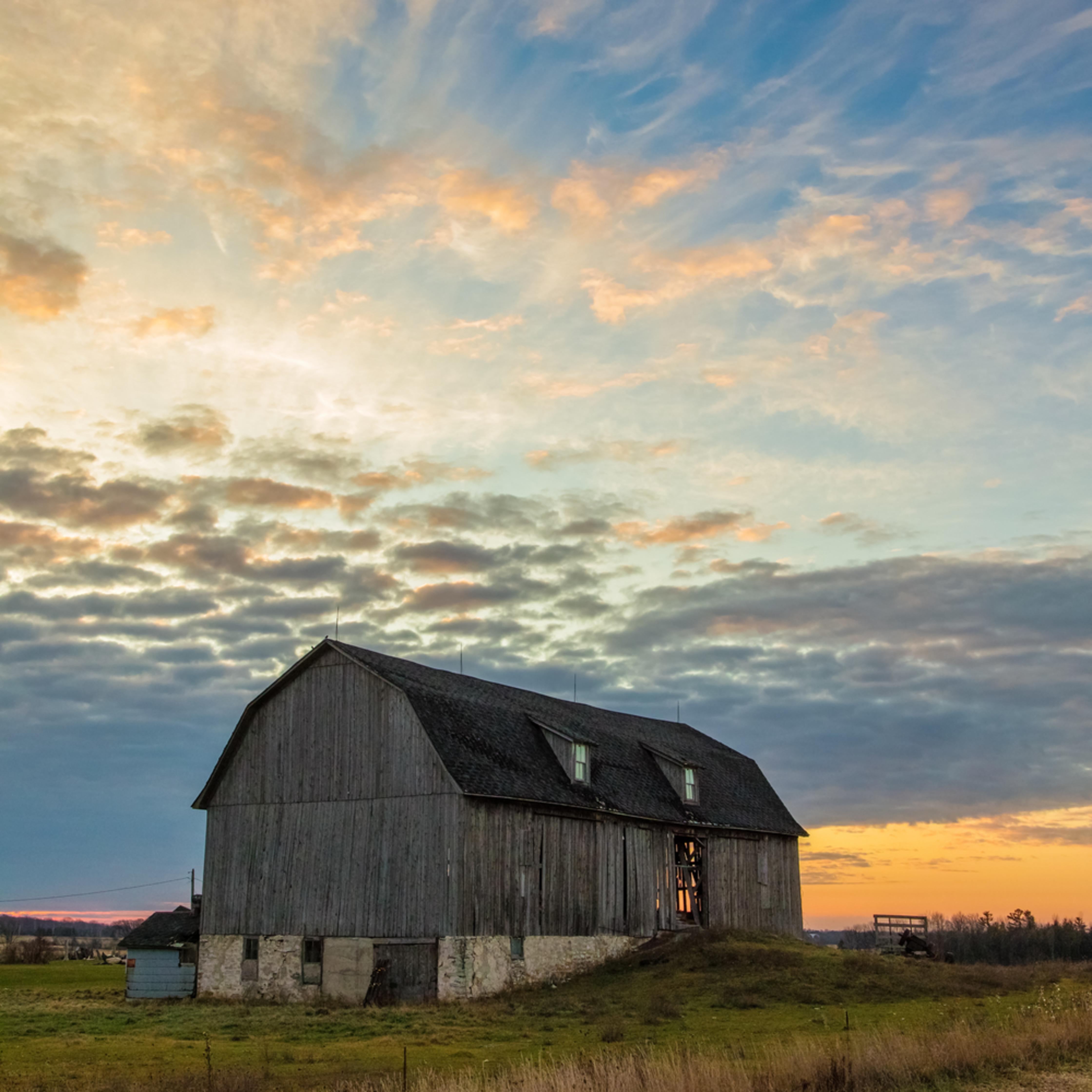 Daybreak on the farm 20171202 082414 mc 033 af3lzh