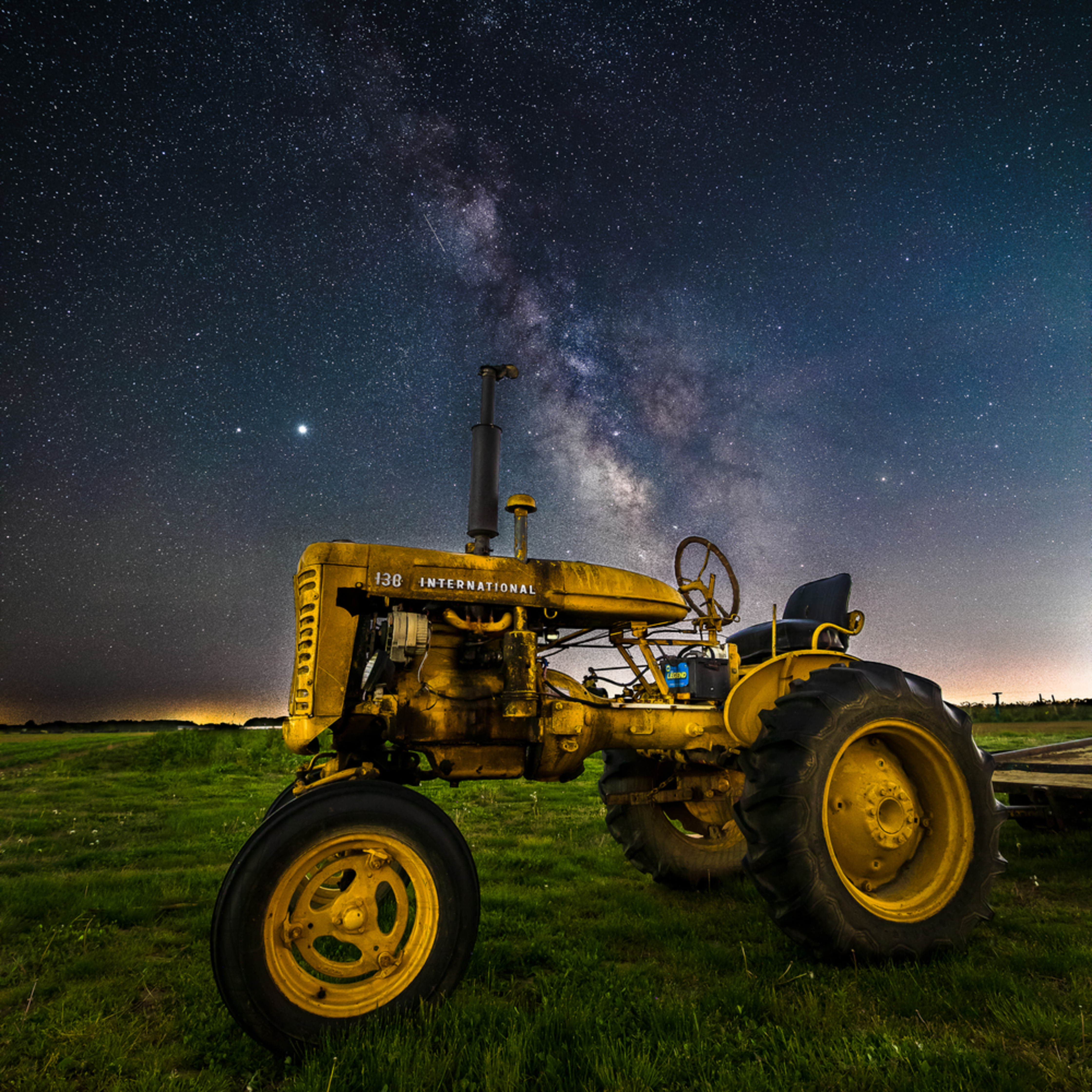 Yellow tractor milky way e4fev7