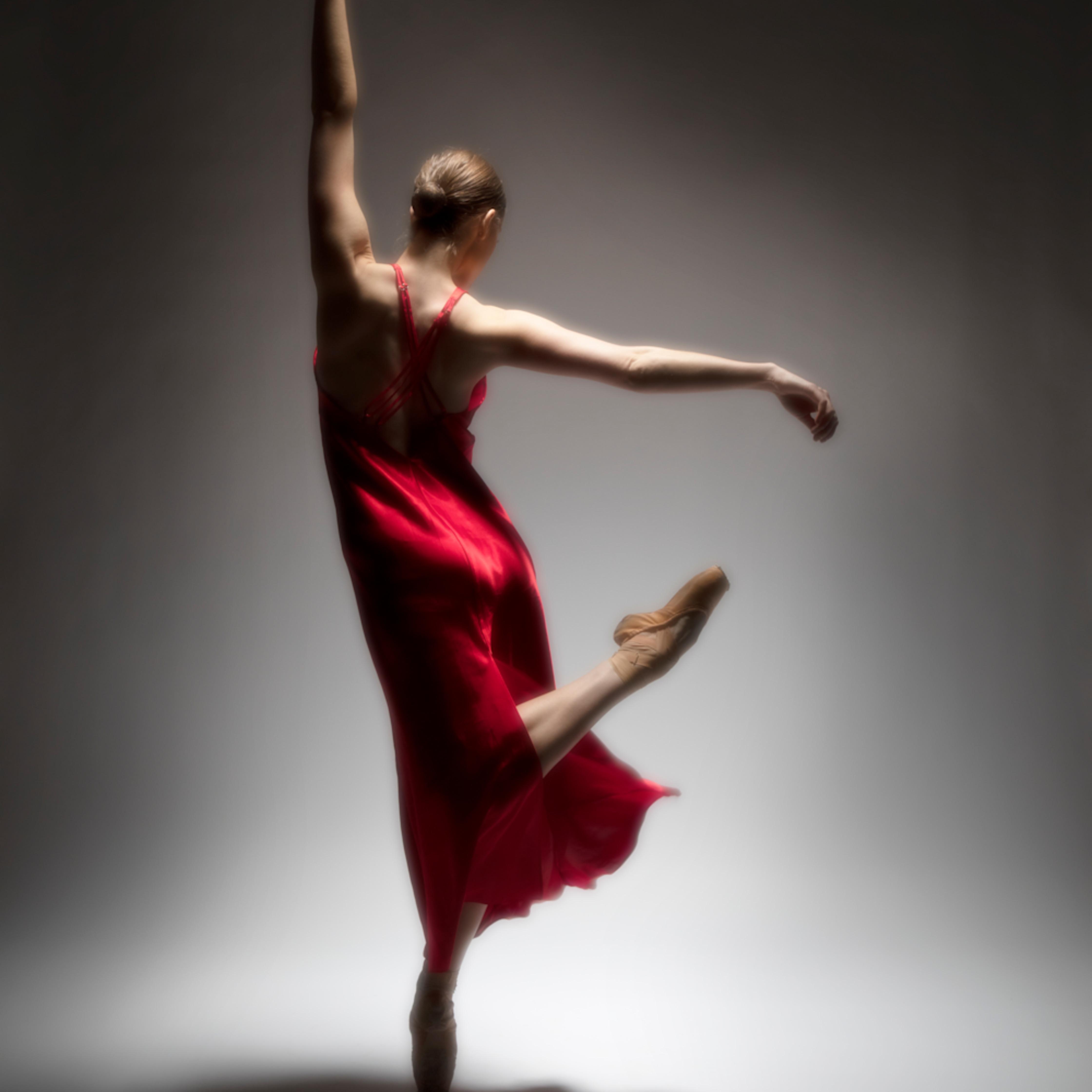 Ballet in a red dress acp52k