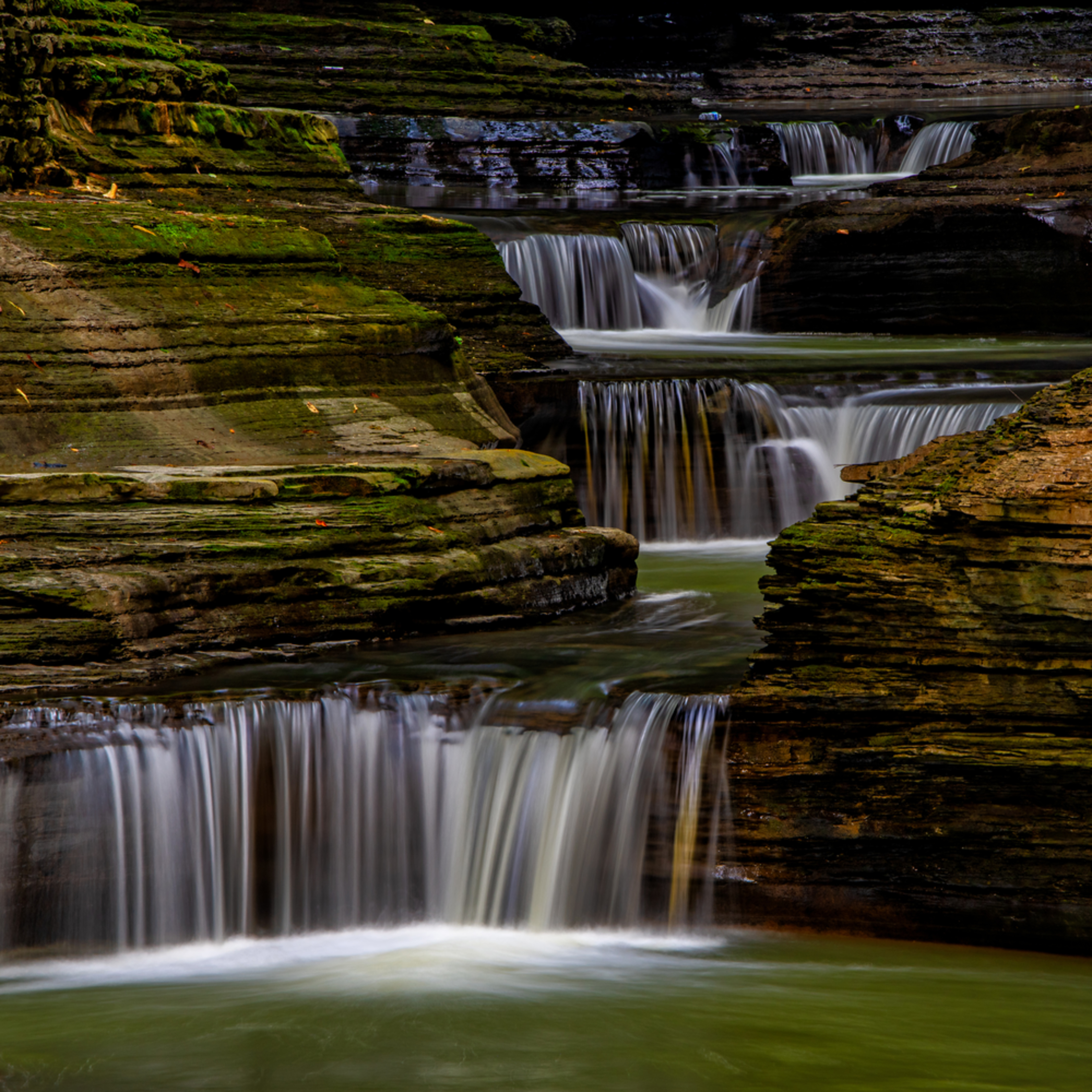 Andy crawford photography watkins glen state park small waterfalls 002 e2qswg