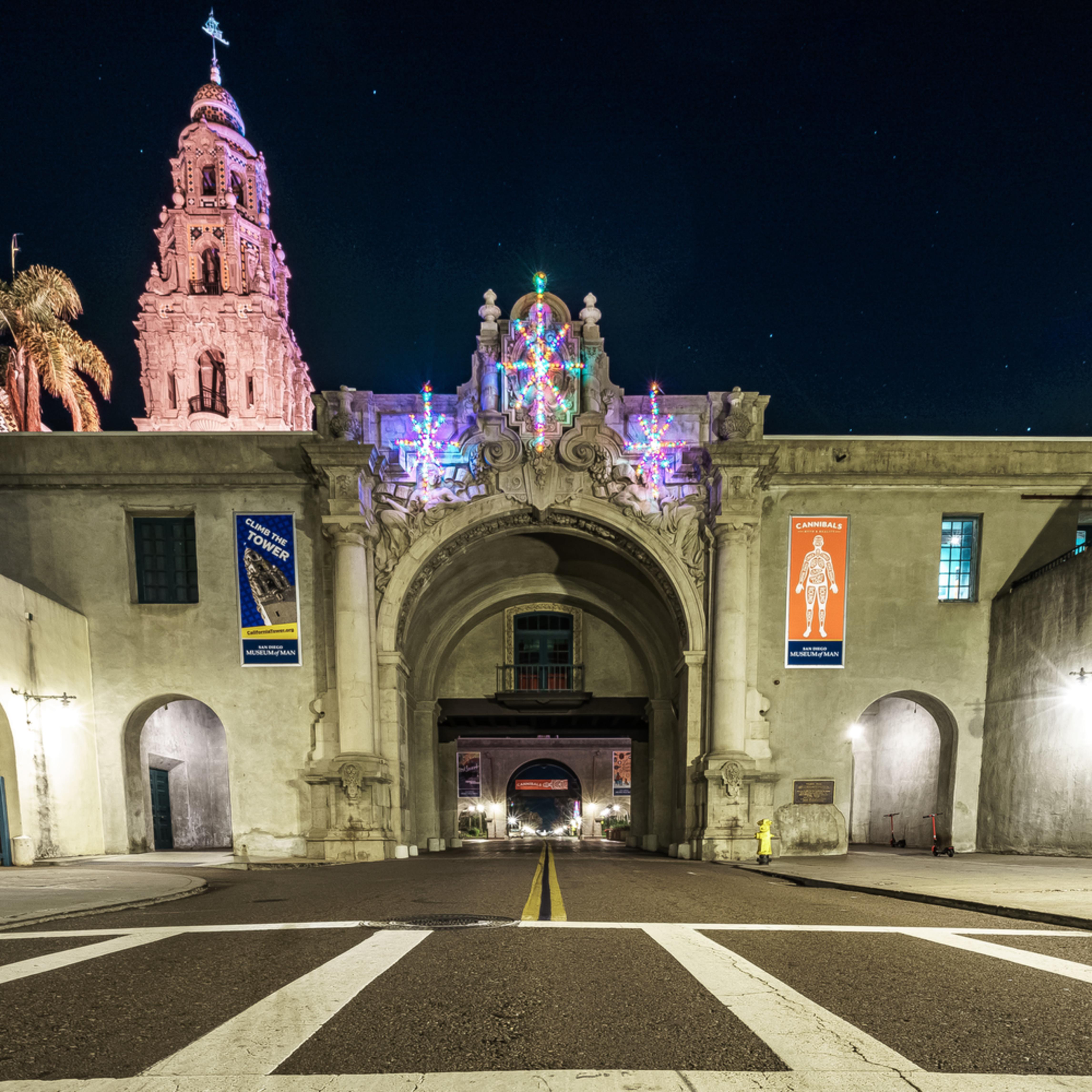 Balboa entrance during holidays ajdfvr