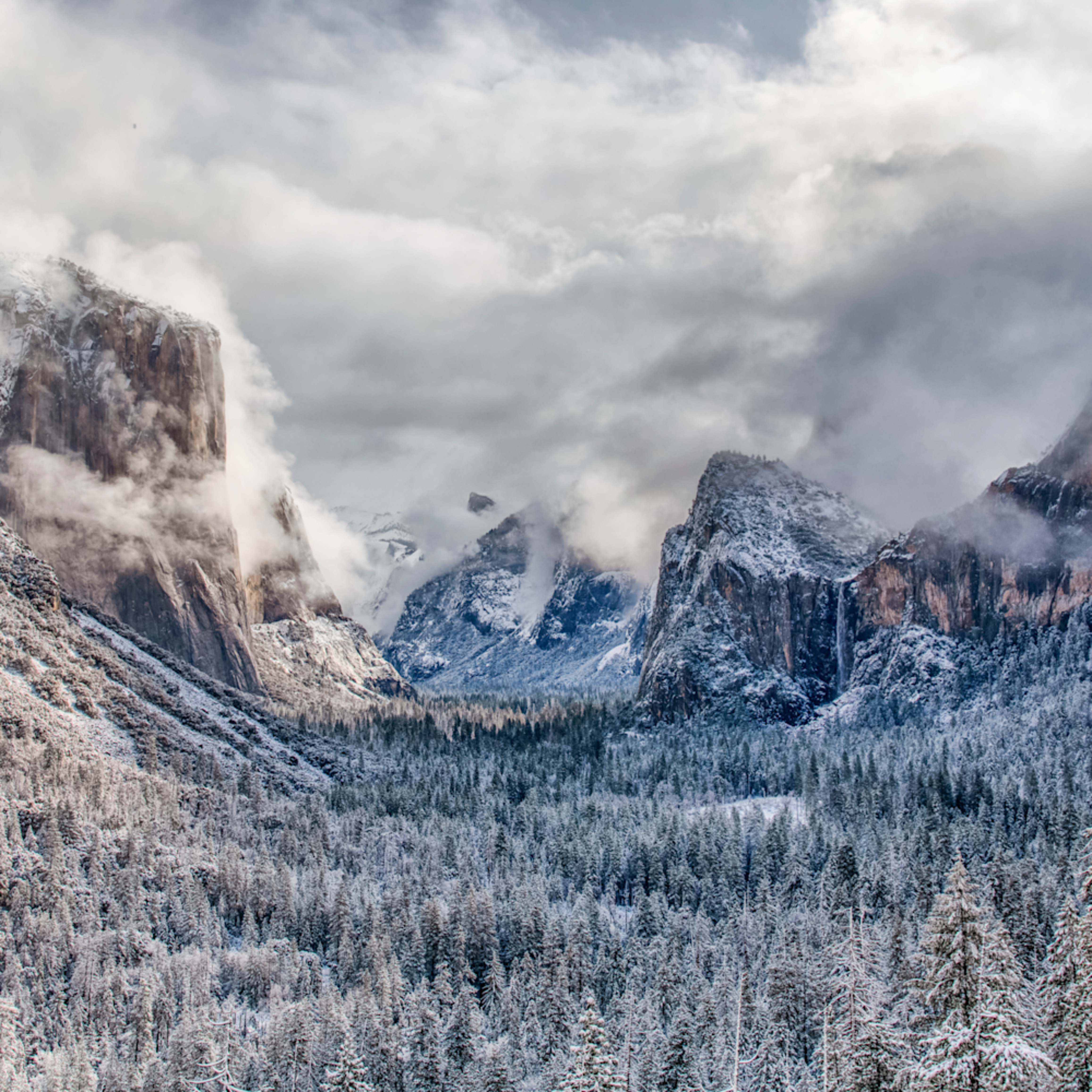 Yosemite tunnel view after the snow akwnb9