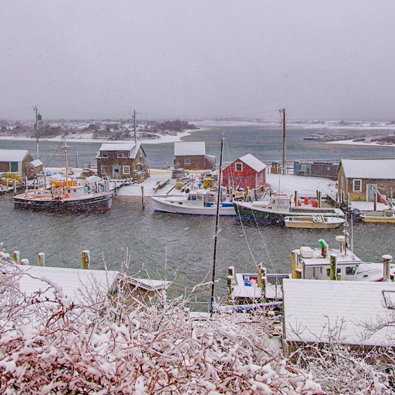 Menemsha village snow agkm6e
