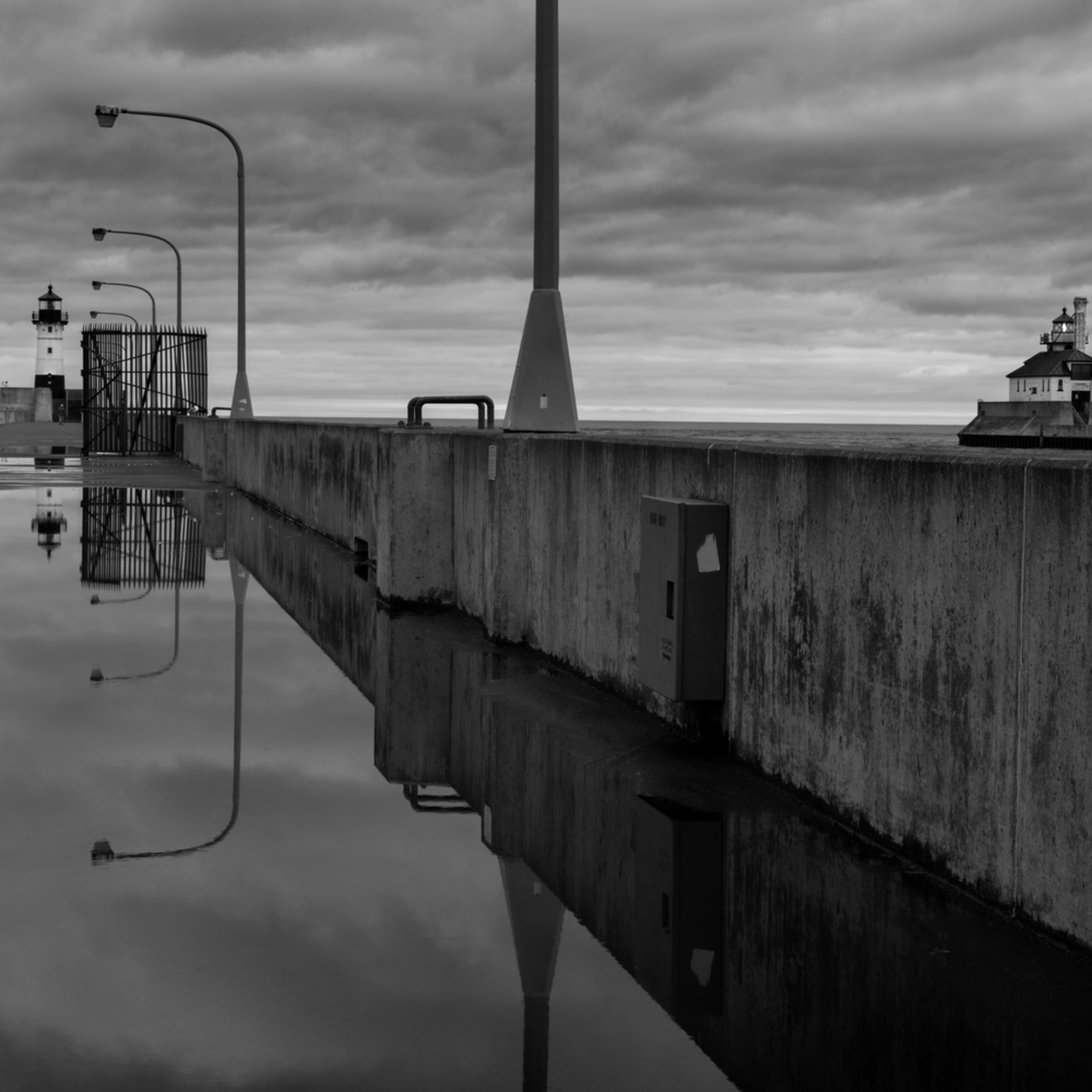 Dp624 duluth north canal walk b w l6umle