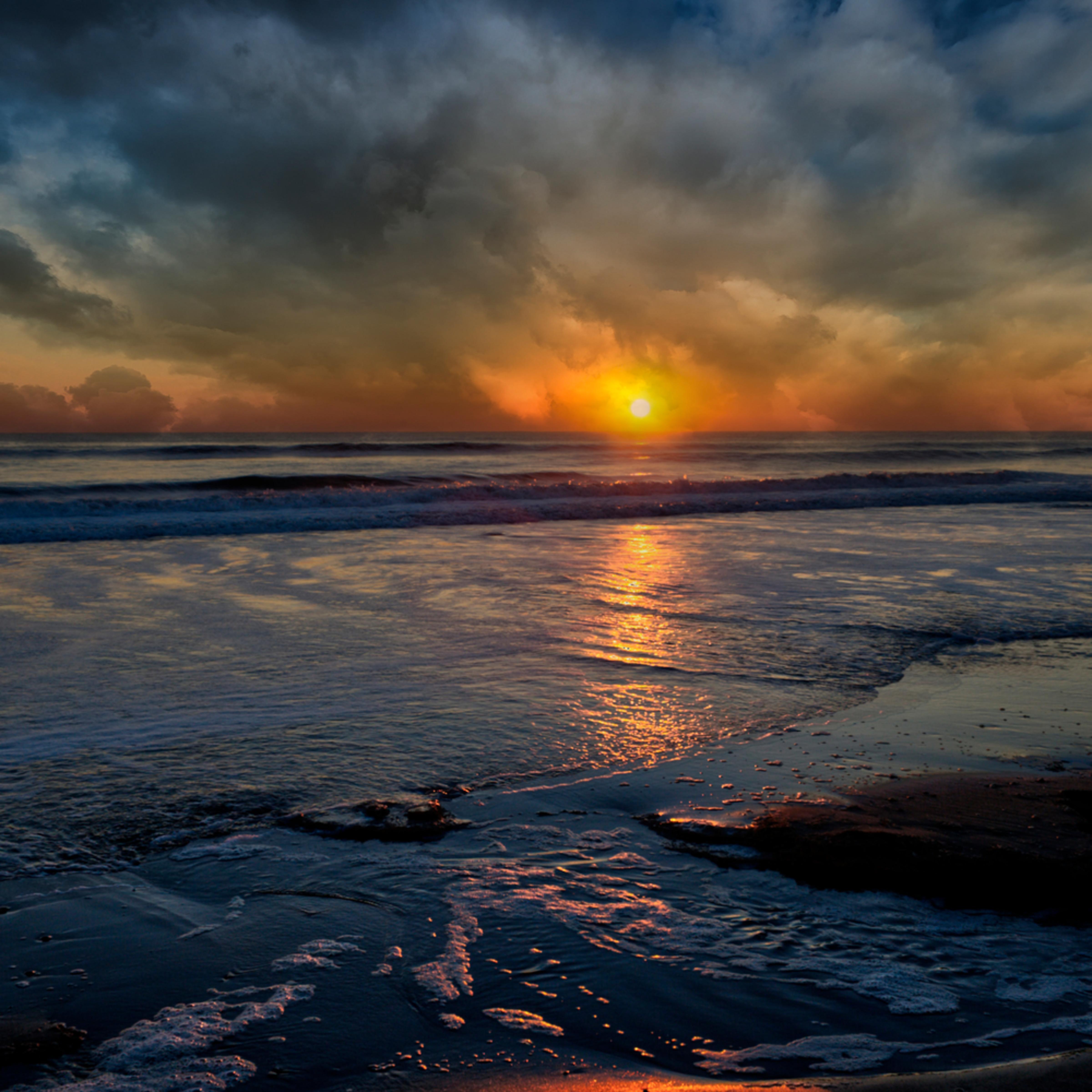 Stormy sunrise cwkeda