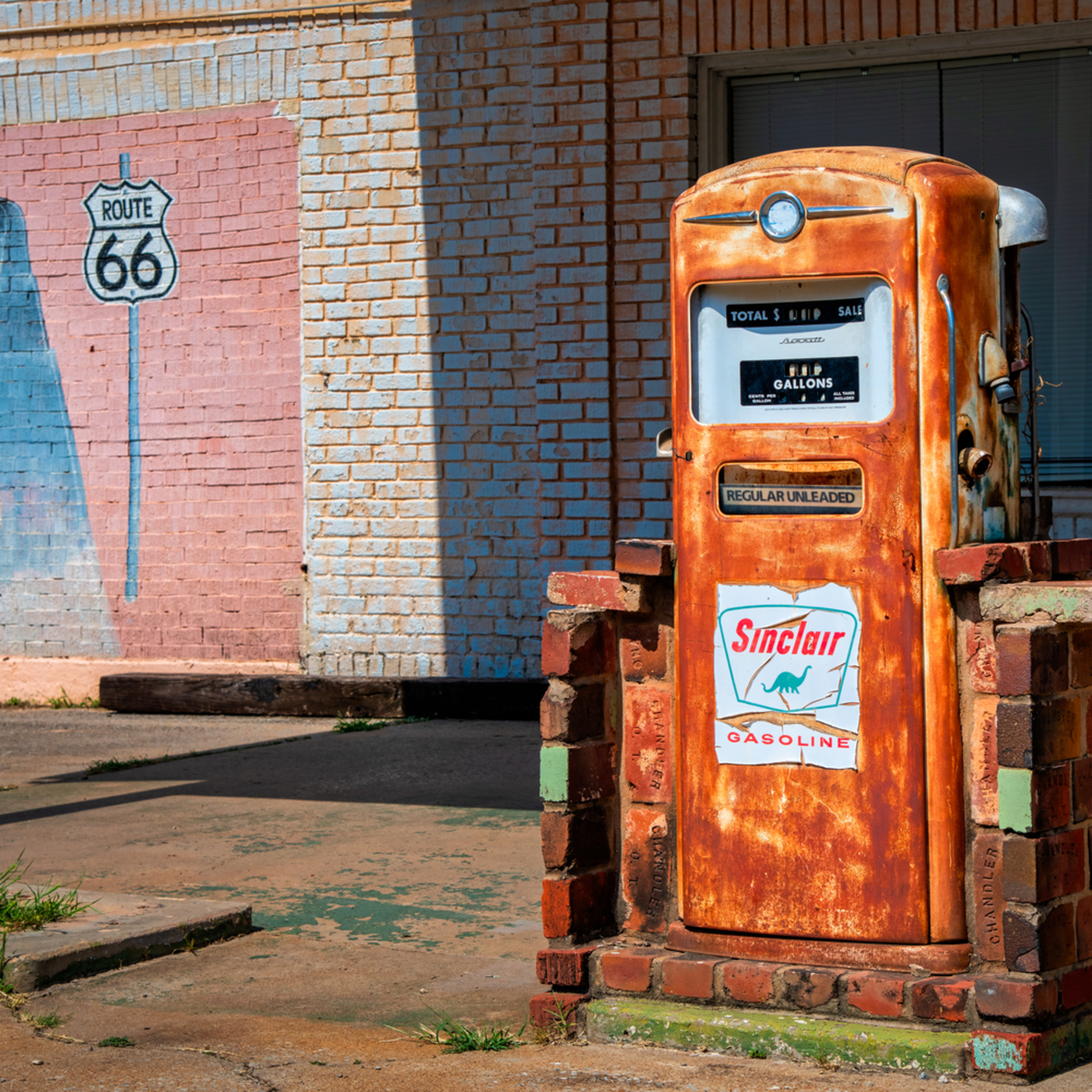 Andy crawford photography route 66 sinclair fuel pump 1 evrzoh