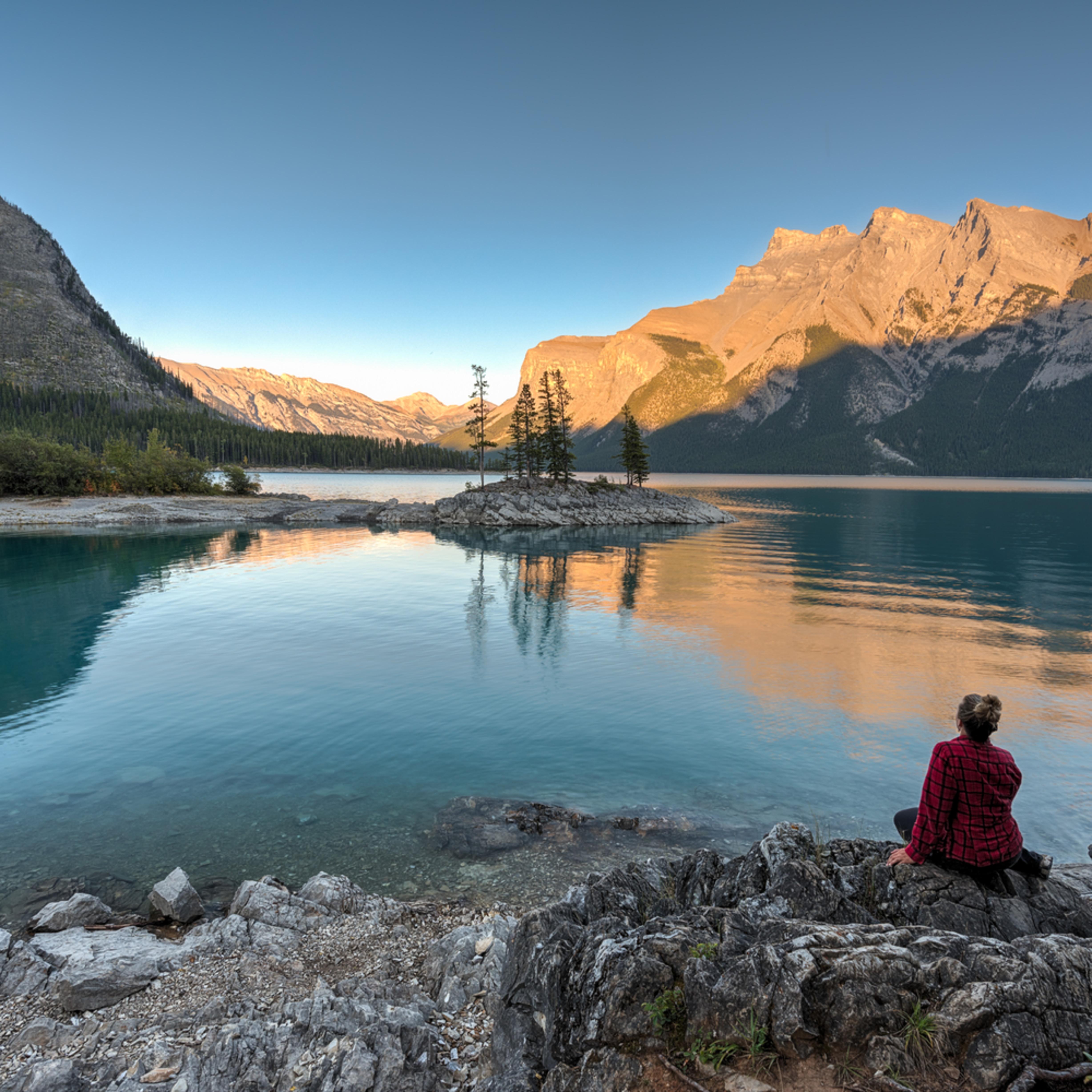 Lake minnewanka banff heather k jones o9vwaj