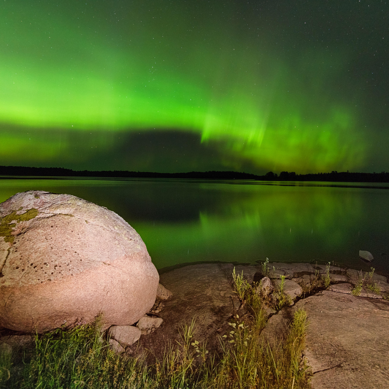Green northern lights kenora winnipeg river heather k jones ial7w3