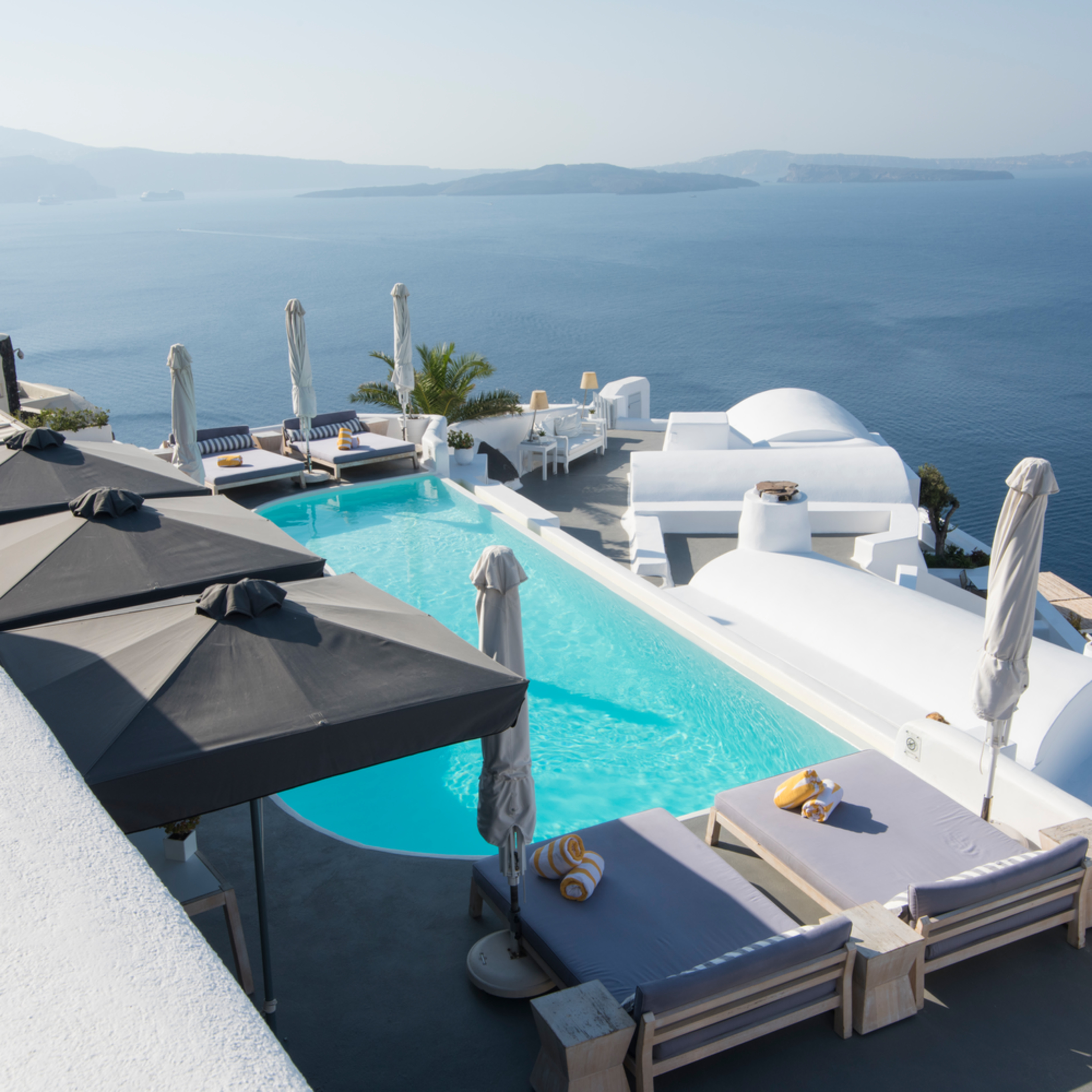 Santorini pool with a view gzcpvb
