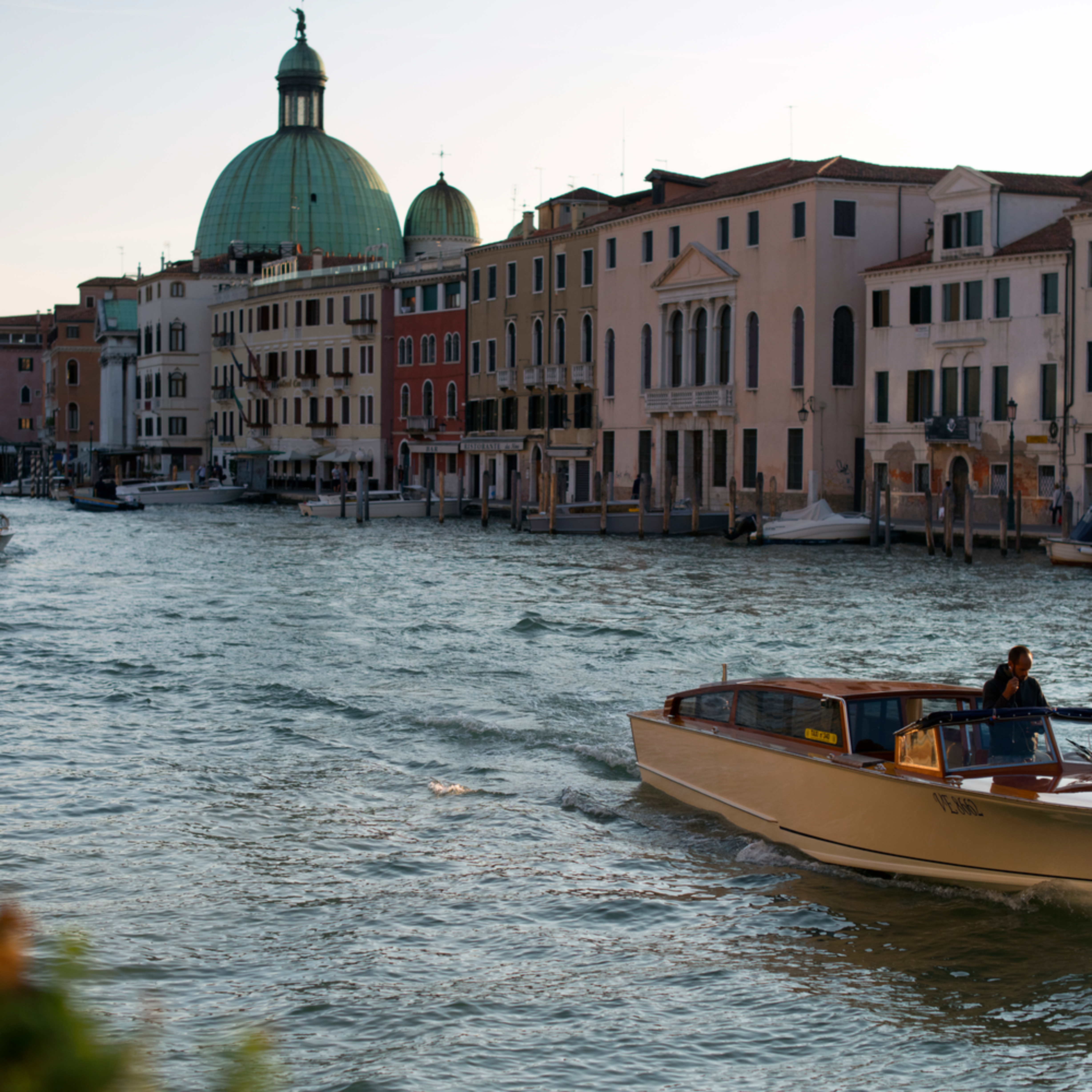 Venice canal ite88n