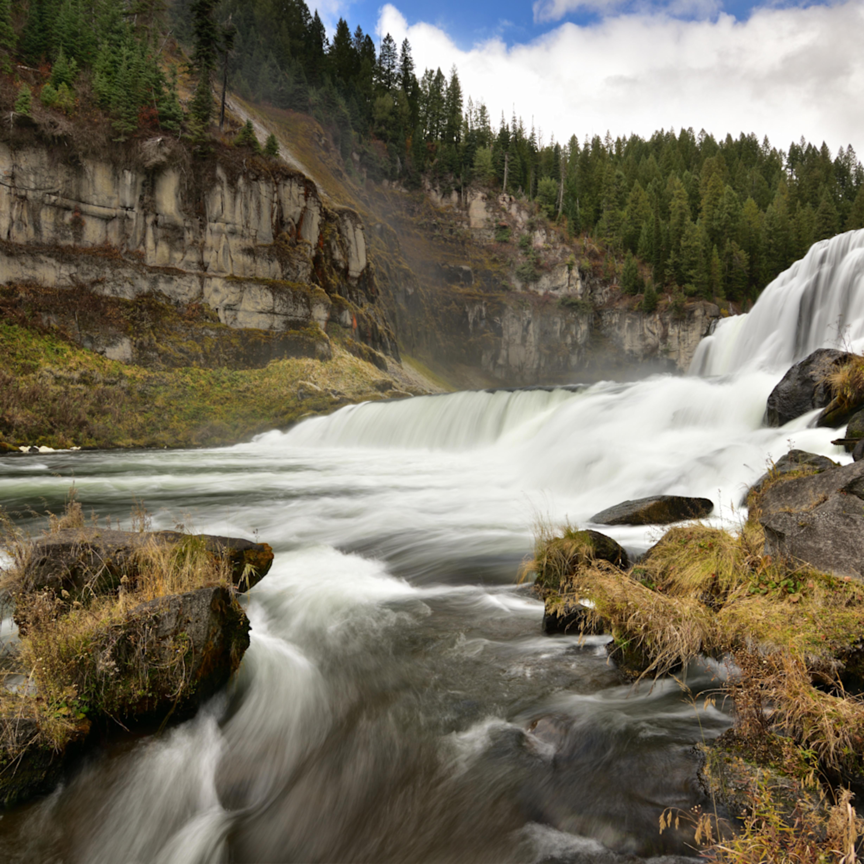 Mesa falls   nearer the river hr ns npe73j