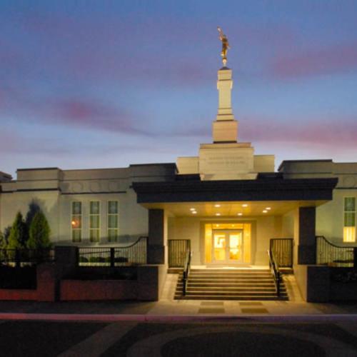 Hank delespinasse edmonton temple   panoramic lighted entrance mcmguu
